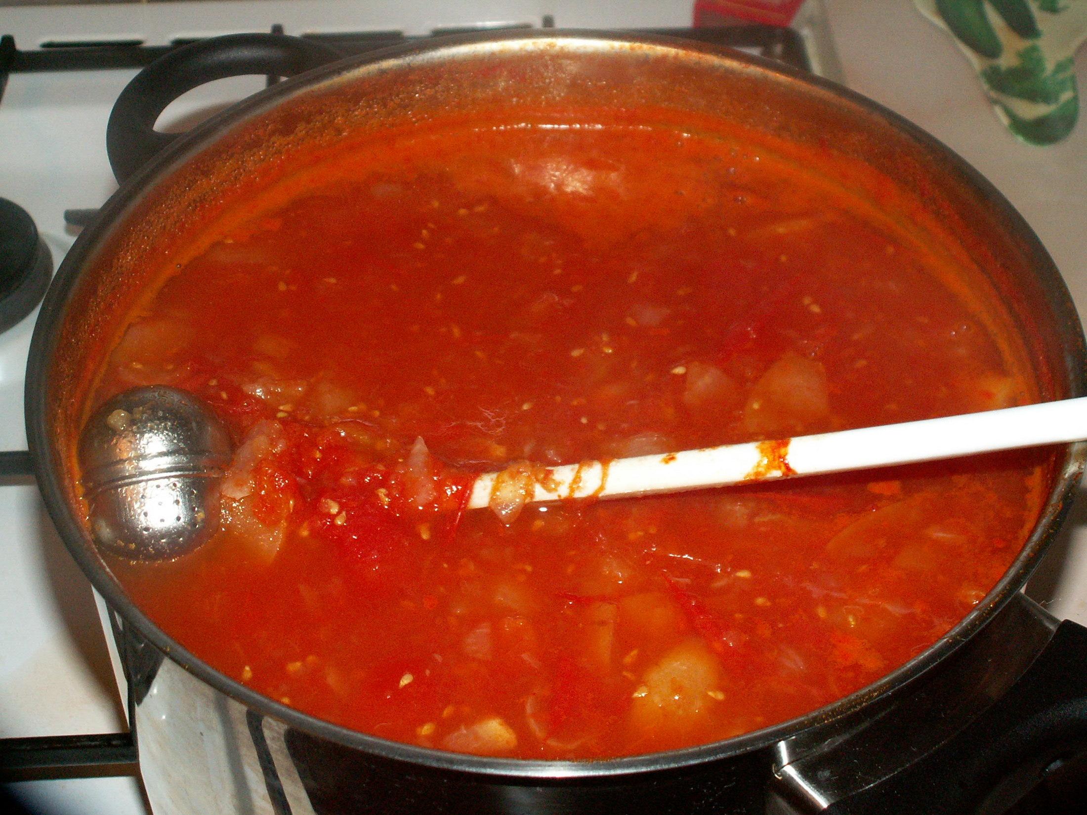 Recept Domácí kečup 2 - Právě dovařená směs na kečup z dvojité dávky.