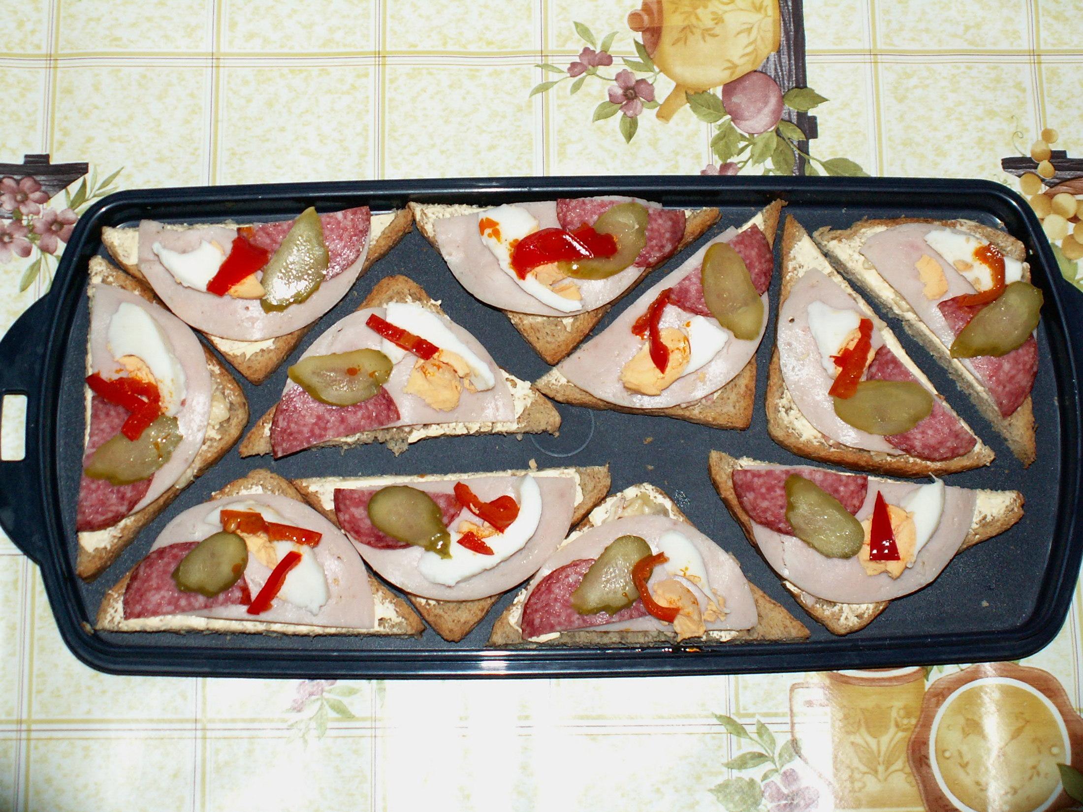 Recept Domácí vlašský salát - Jako podklad jsem udělal Váš vlašák. Byl moc dobrý.