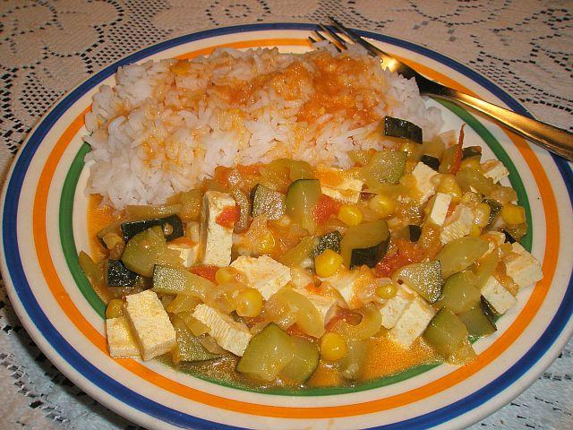 Dušená cuketa se sýrem tofu