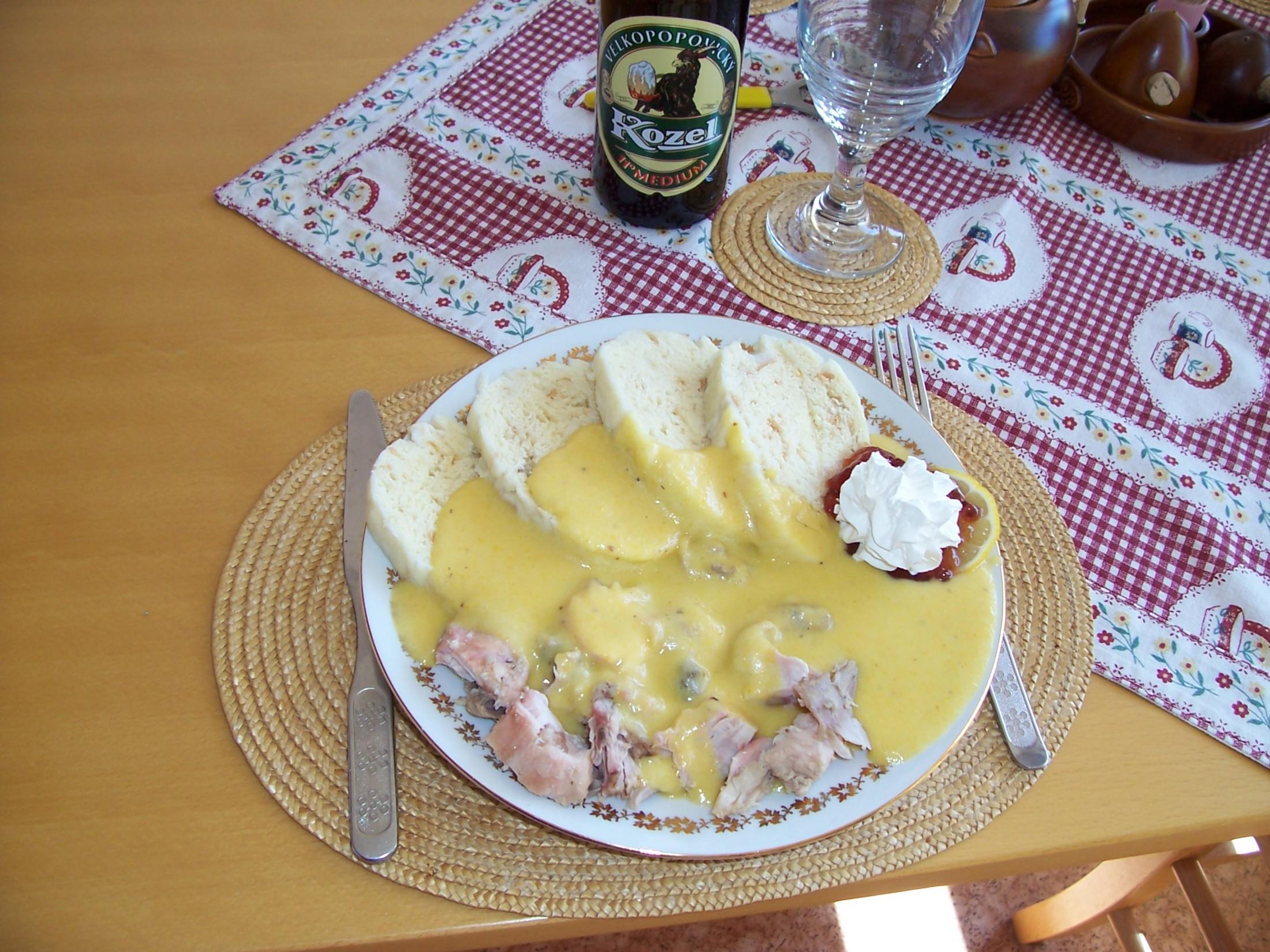Recept Svíčková z králíka - Svíčková z králičího masa s knedlíkem.