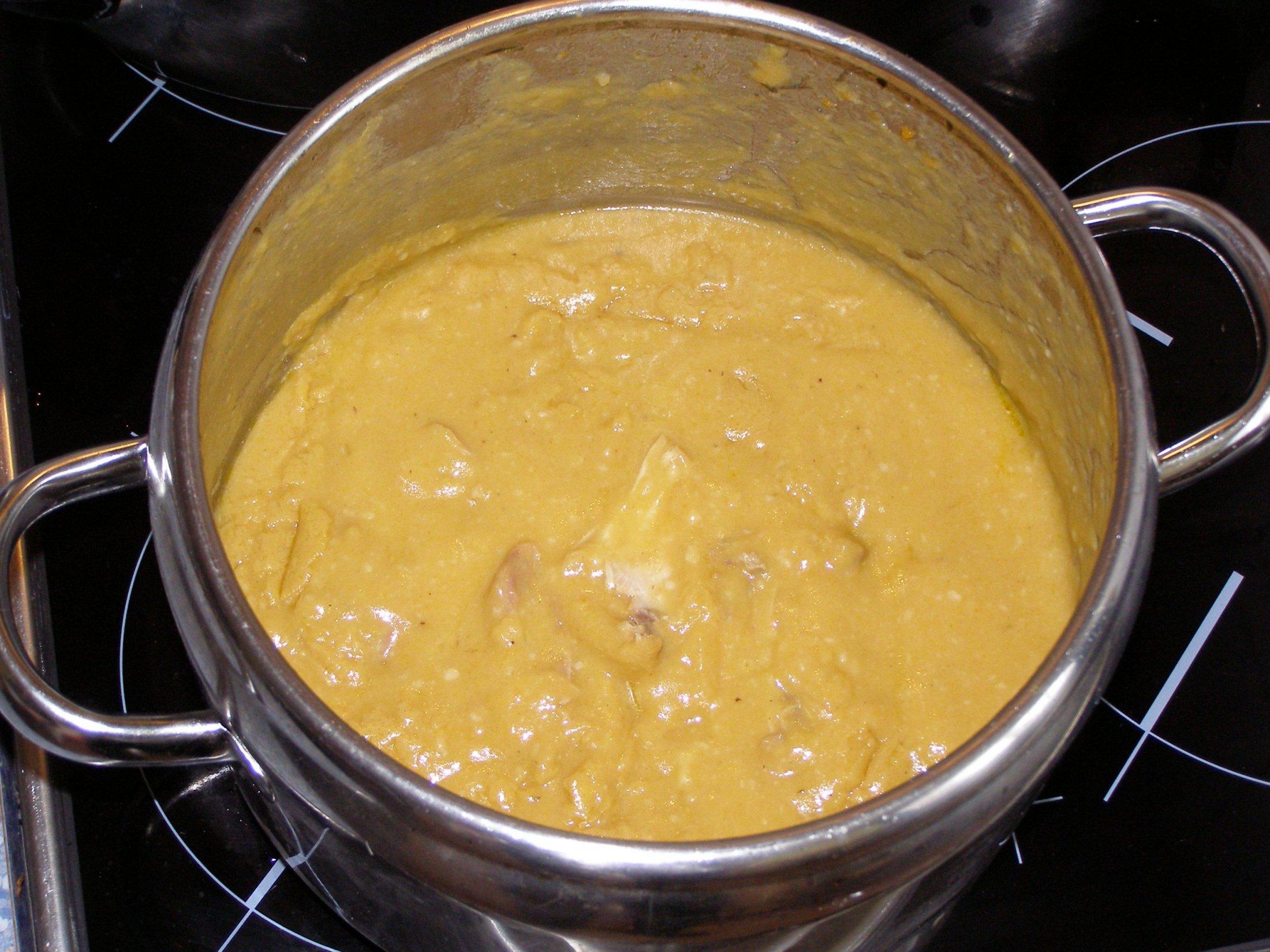 Recept Svíčková z králíka - Hotová svíčková - správná barva, tak jak to má vypadat.