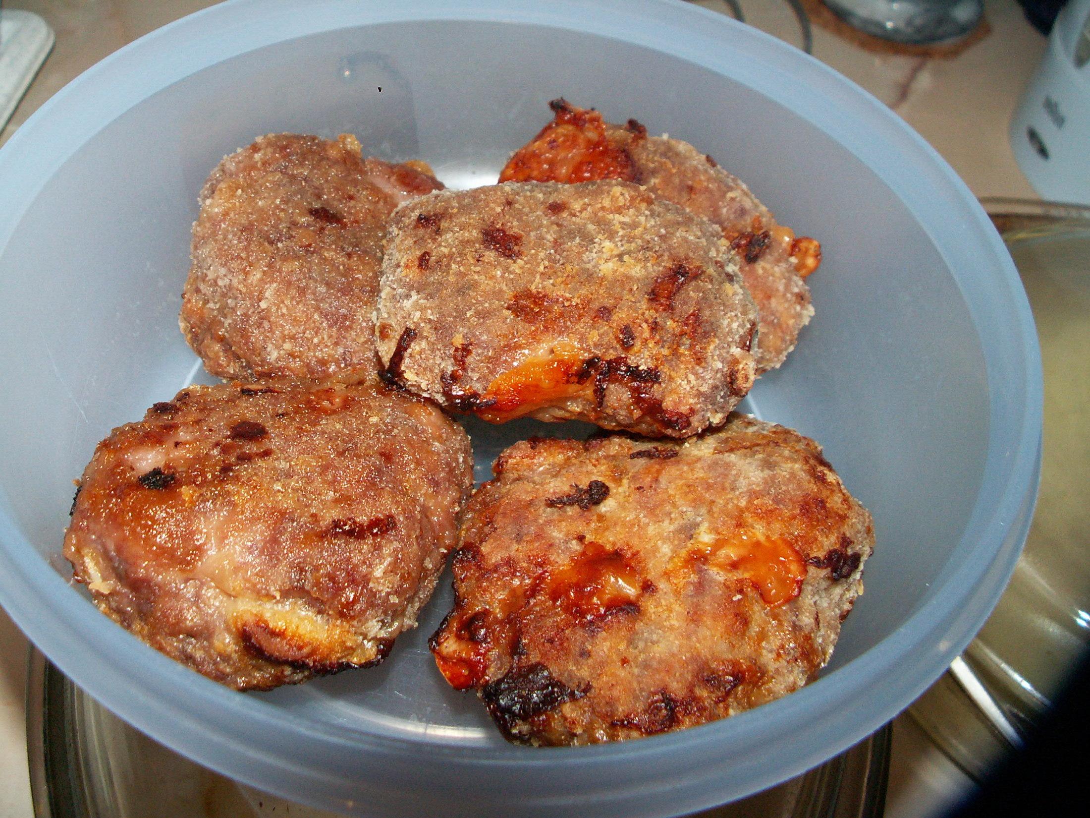 Recept Domácí hamburgery - Je upečeno.