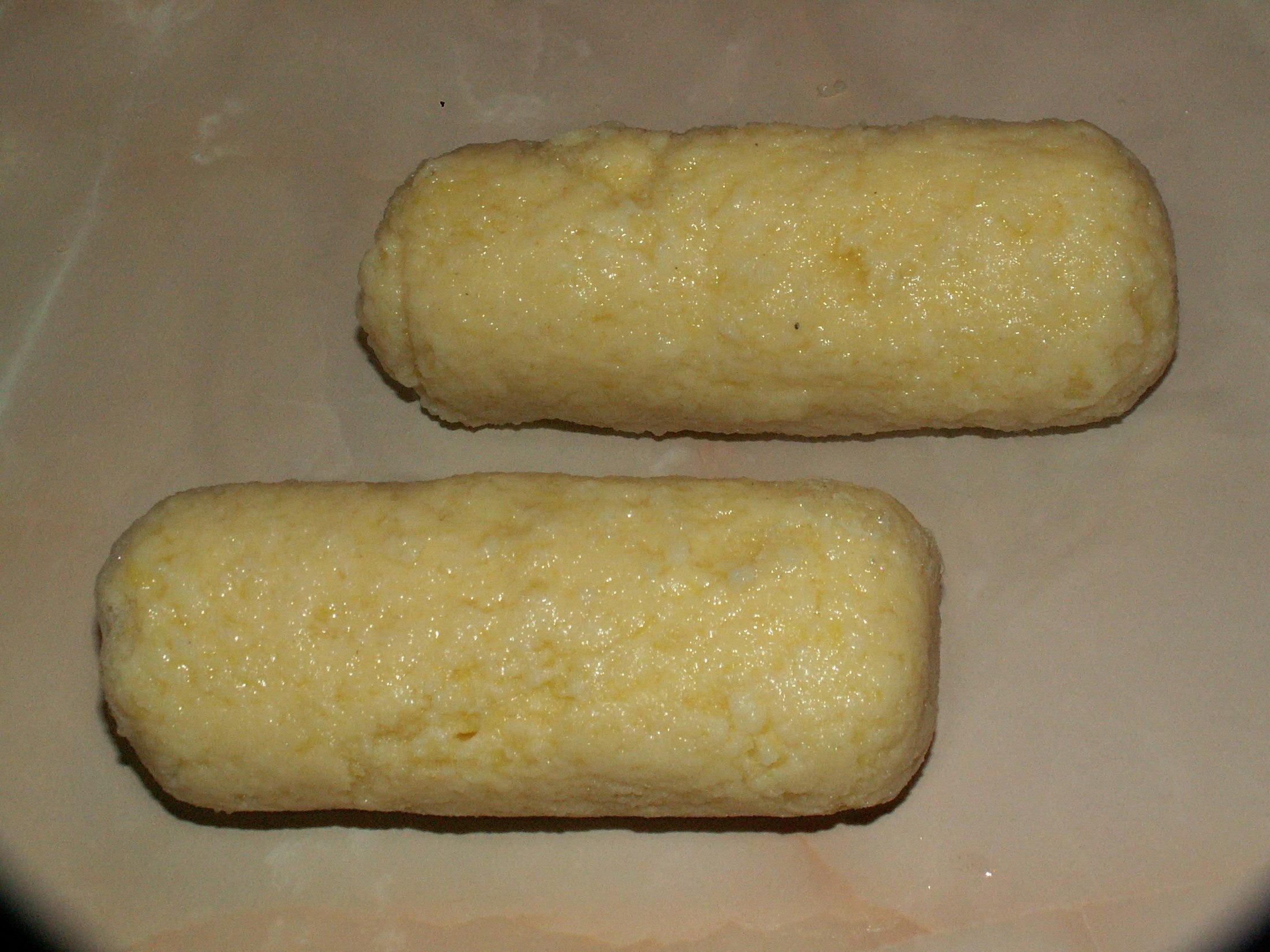 Recept Jednoduché bramborové knedlíky - Hotový knedlík.