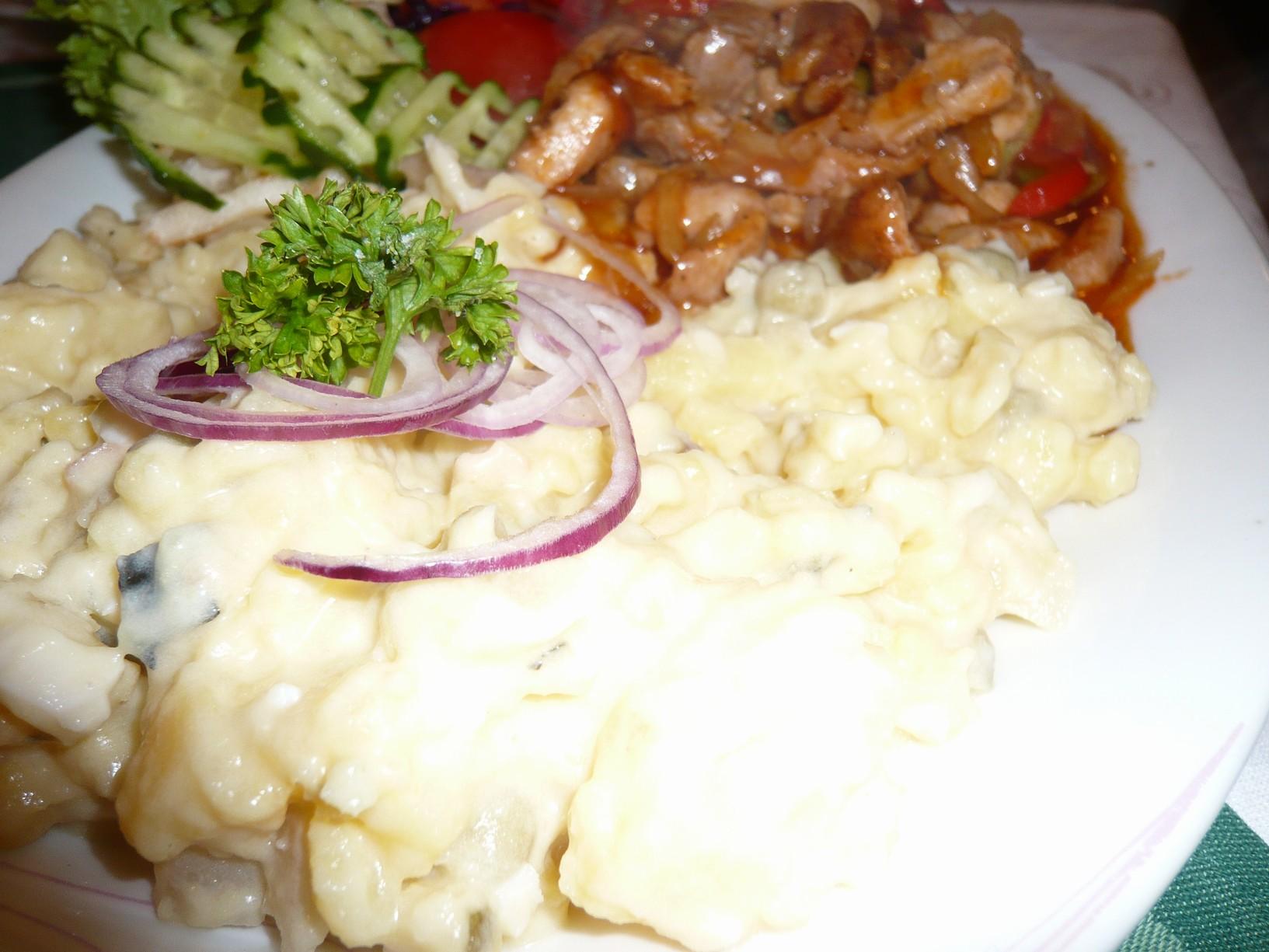 Recept Lehký vánoční bramborový salát - Bramborový salát.