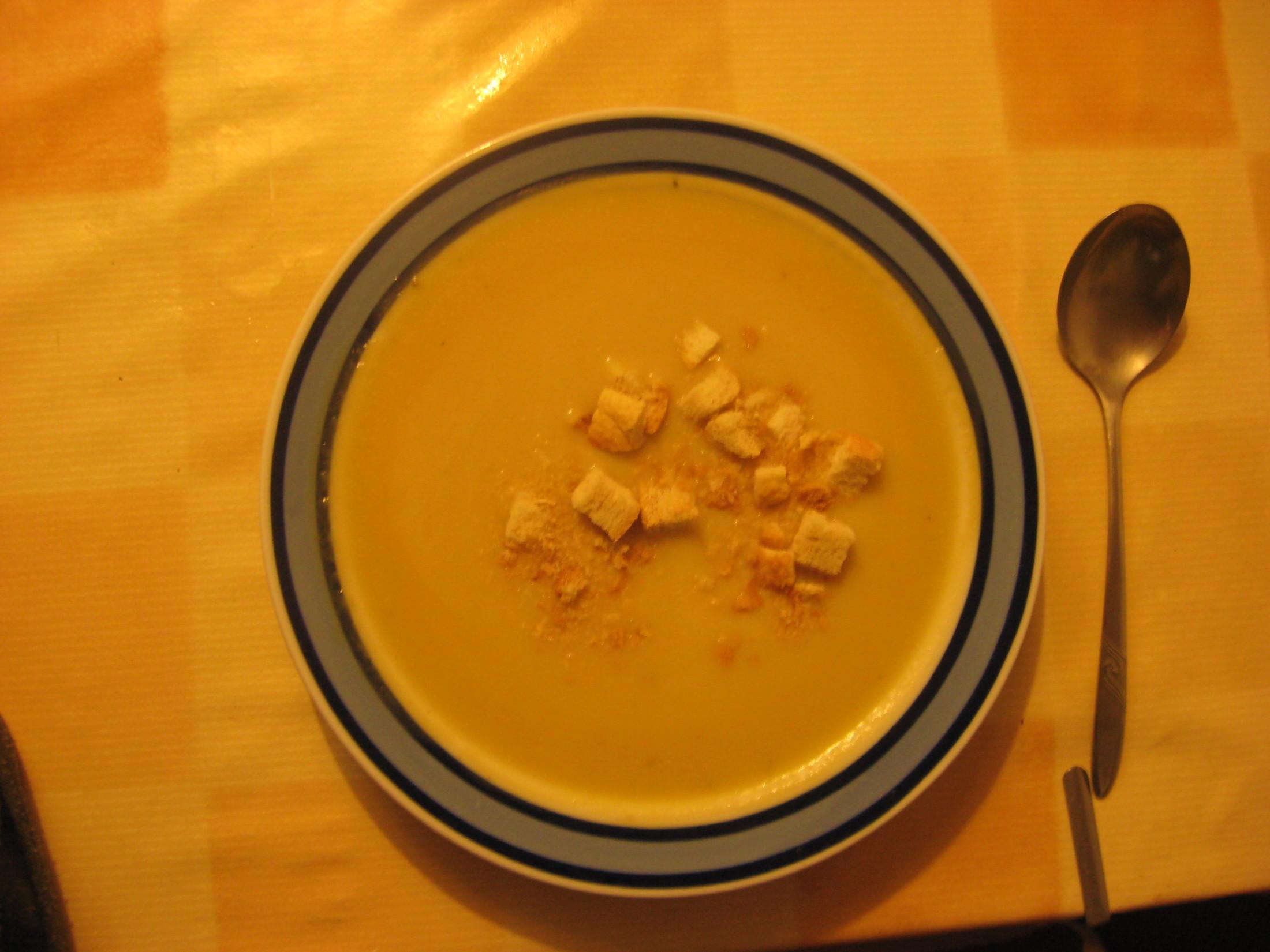 Fotografie receptu: Výtečná celerová polévka