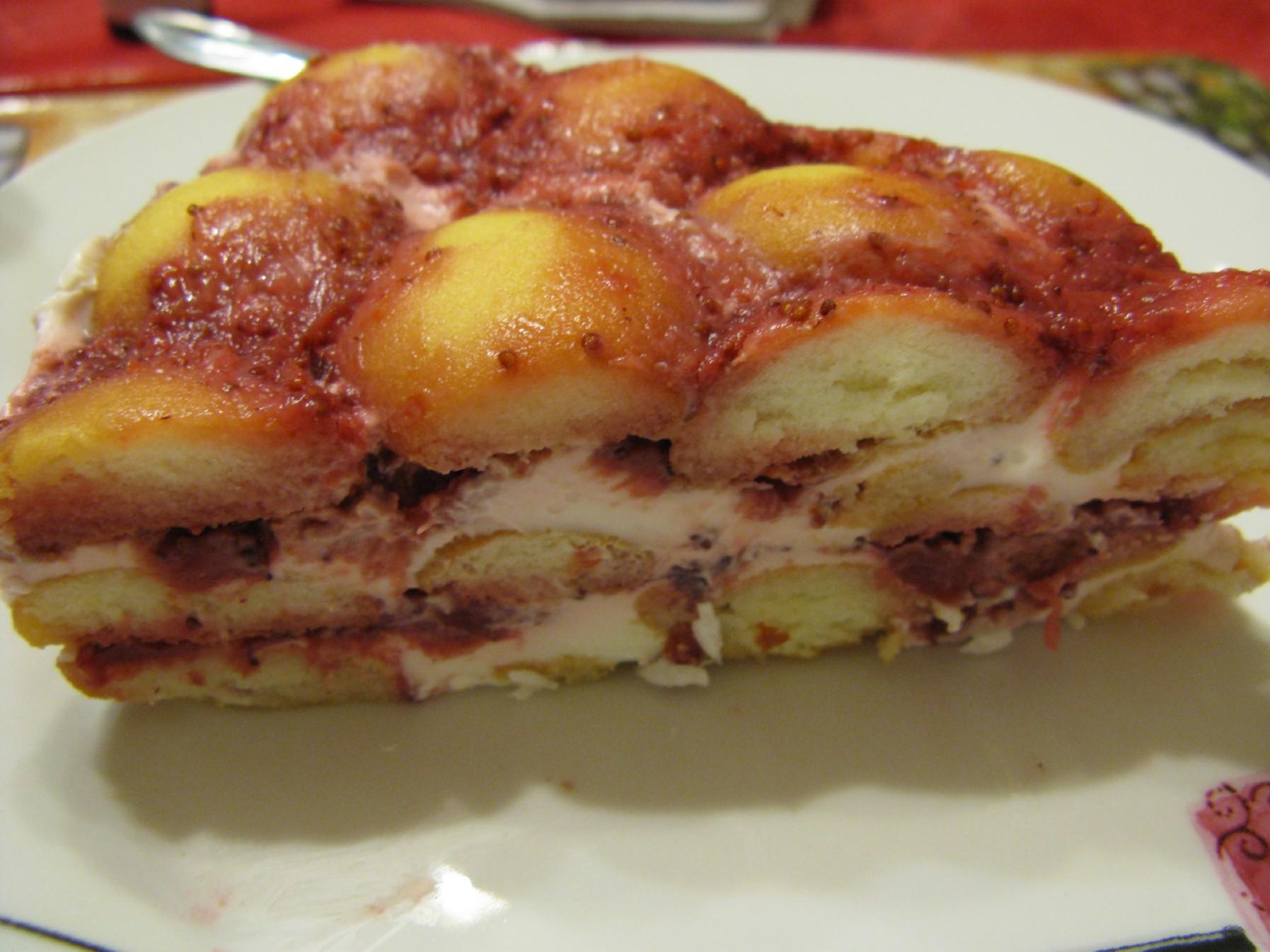 Recept Nepečený dort - Hotový nepečený dort v řezu.