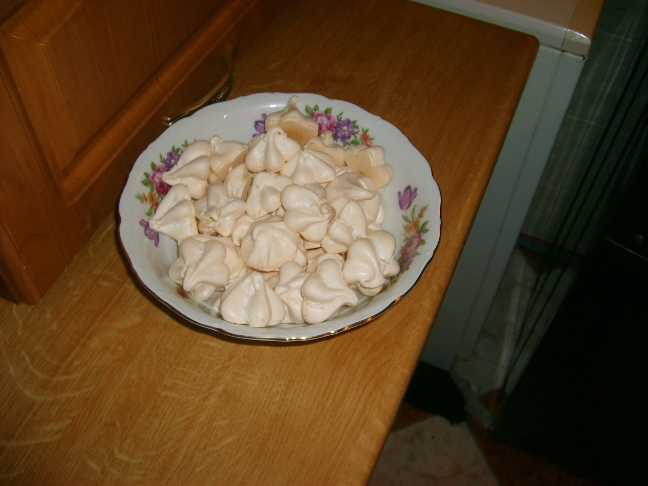 Recept Sněhové pusinky - Pusinky se servírují.