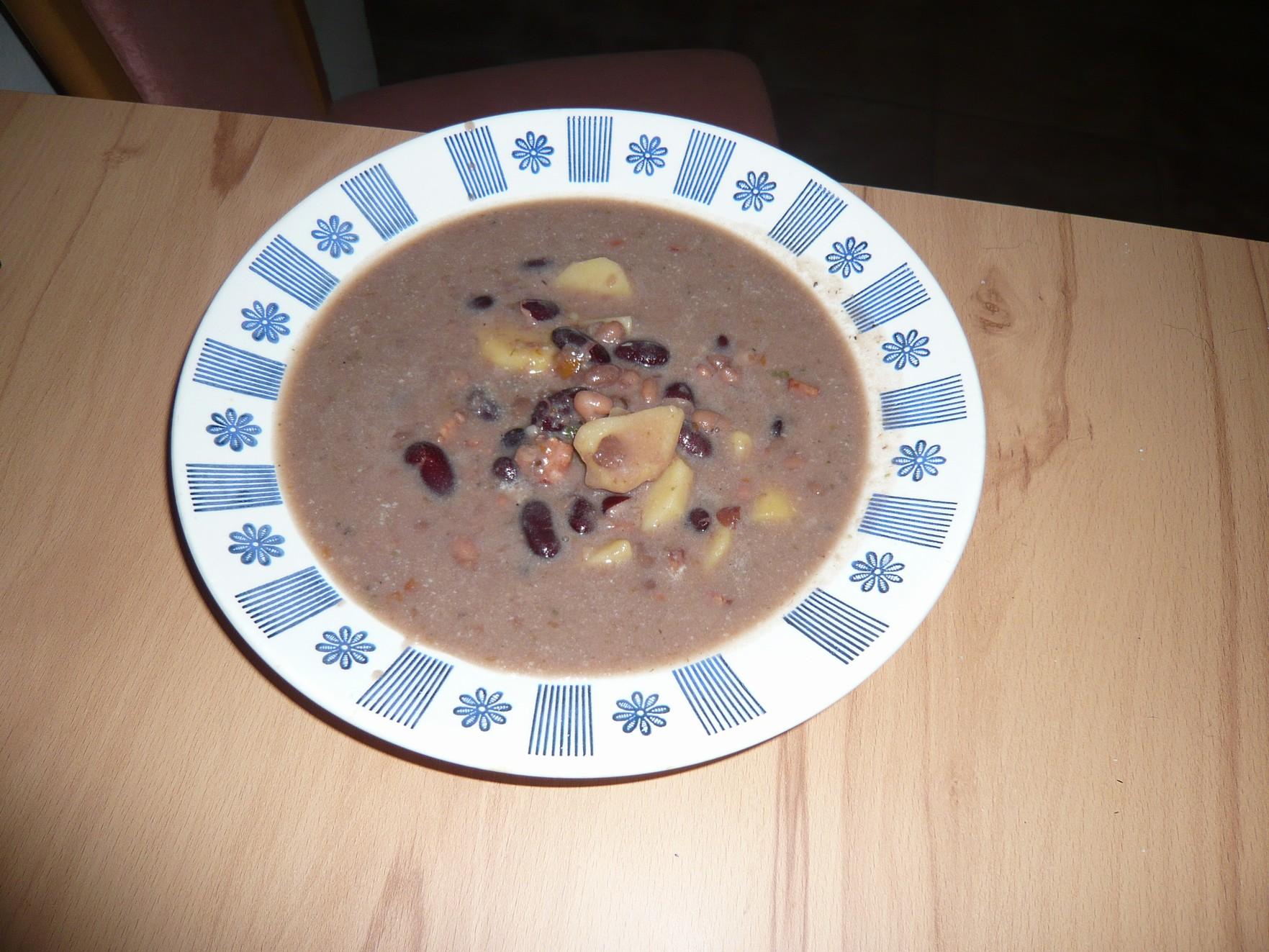 Fotografie receptu: Jednoduchá fazolová polévka
