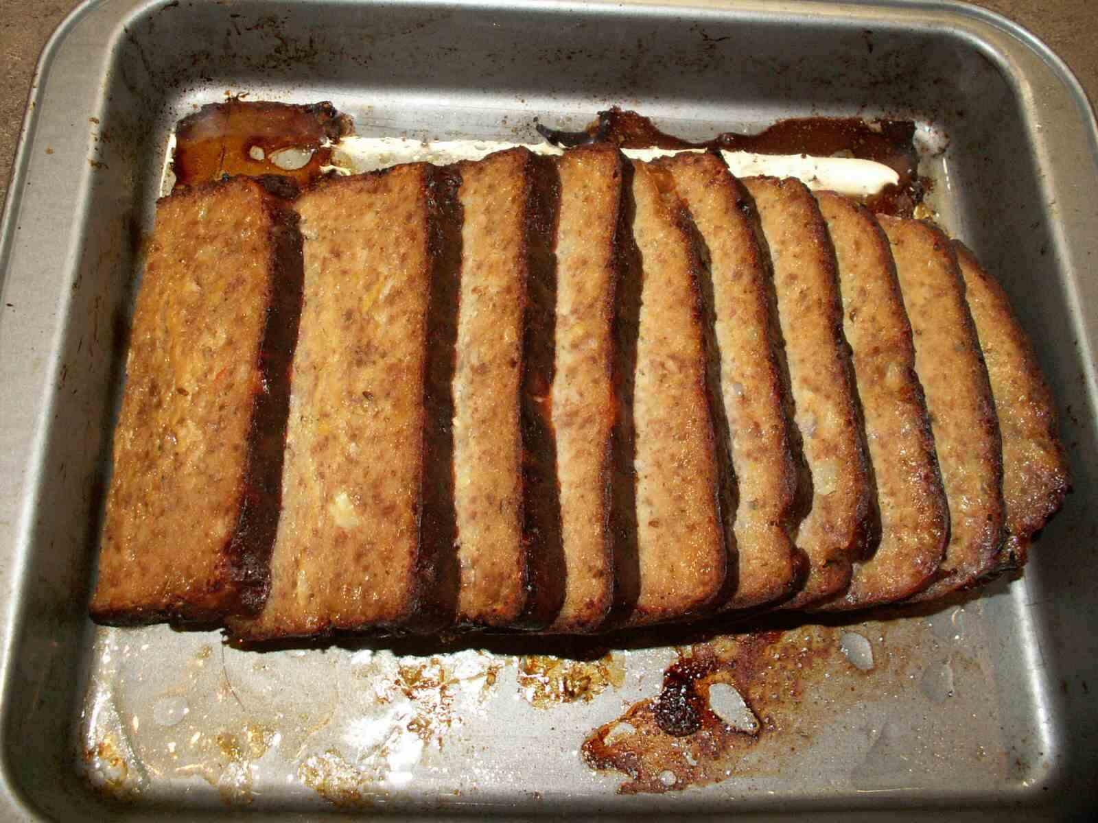 Recept Pavlíkova sekaná z pekárny - Nakrájená  sekaná.