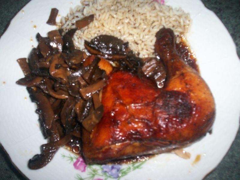 Recept Kýta pečená na žampionech - Kuře na žampionech s rýží.