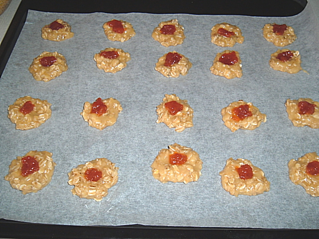 Recept Domácí sušenky - Domácí sušenky před pečením.