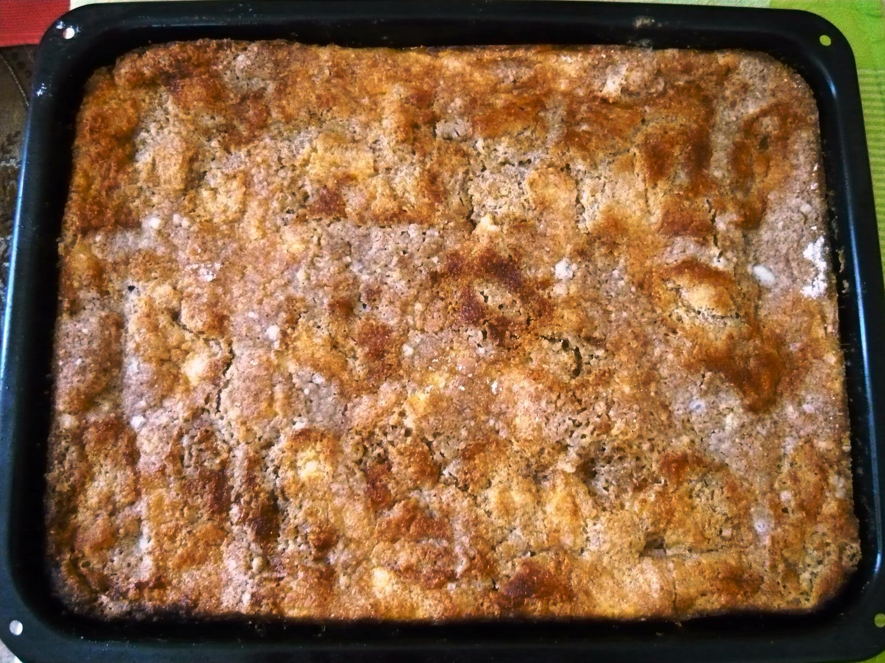 Recept Hrnkový sypaný tvarohový koláč - Koláč v pekáči dlouho nevydrží.