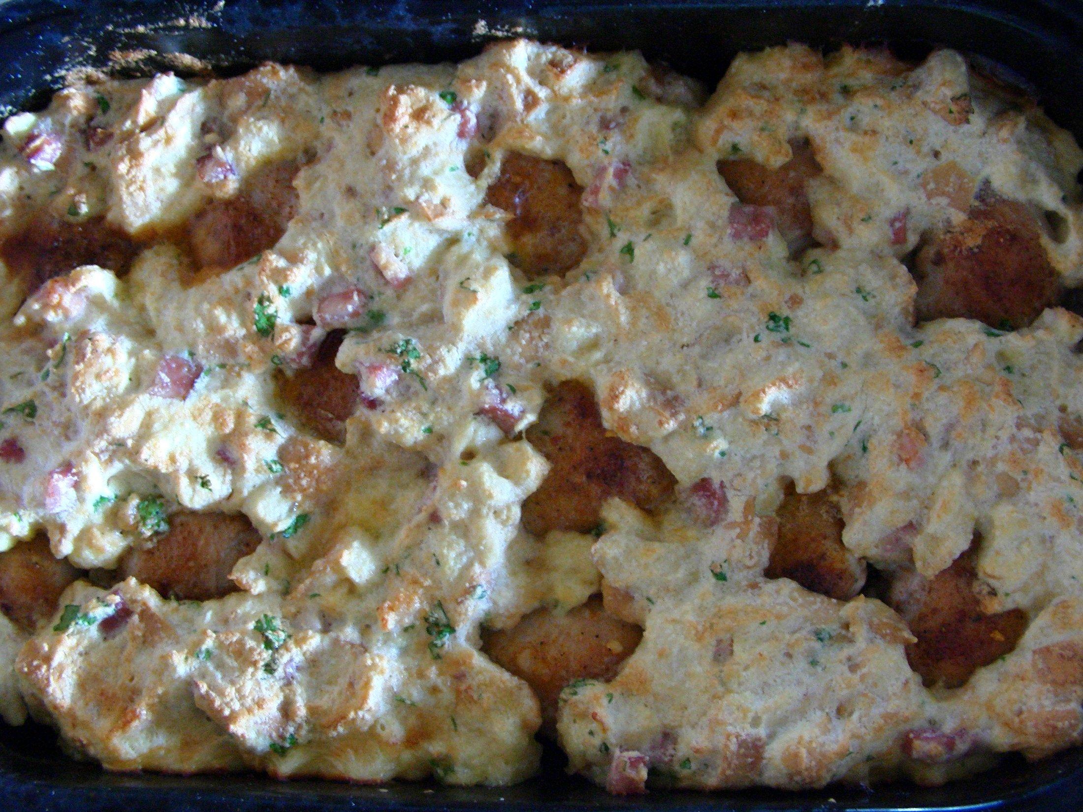Recept Pečená kuřecí stehna s nádivkou okolo - Takto to vypadá, když je to vše dobře upečené. Stačí už jenom servírovat. Dobrou chuť!