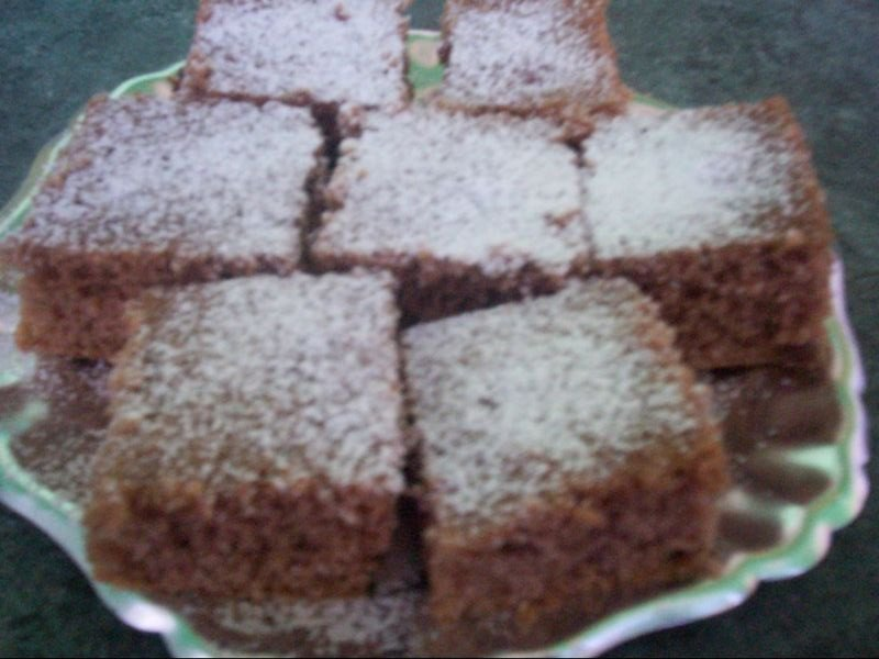 Recept Rychlý hrnkový perník - Pocukrované a nakrájené.