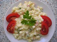 Těstovinový salát s kari a jogurtem