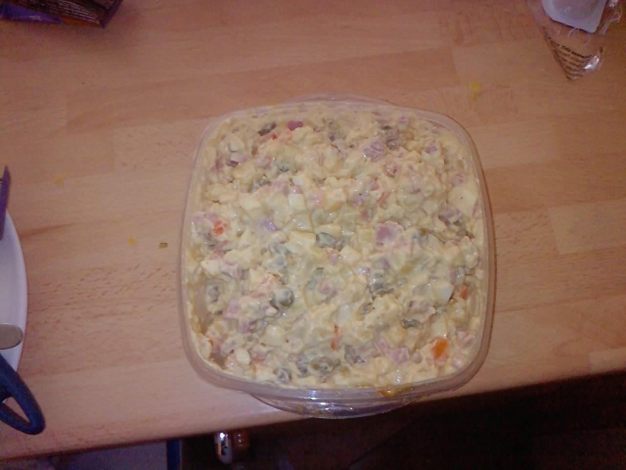 Fotografie receptu: Bramborový vánoční salát