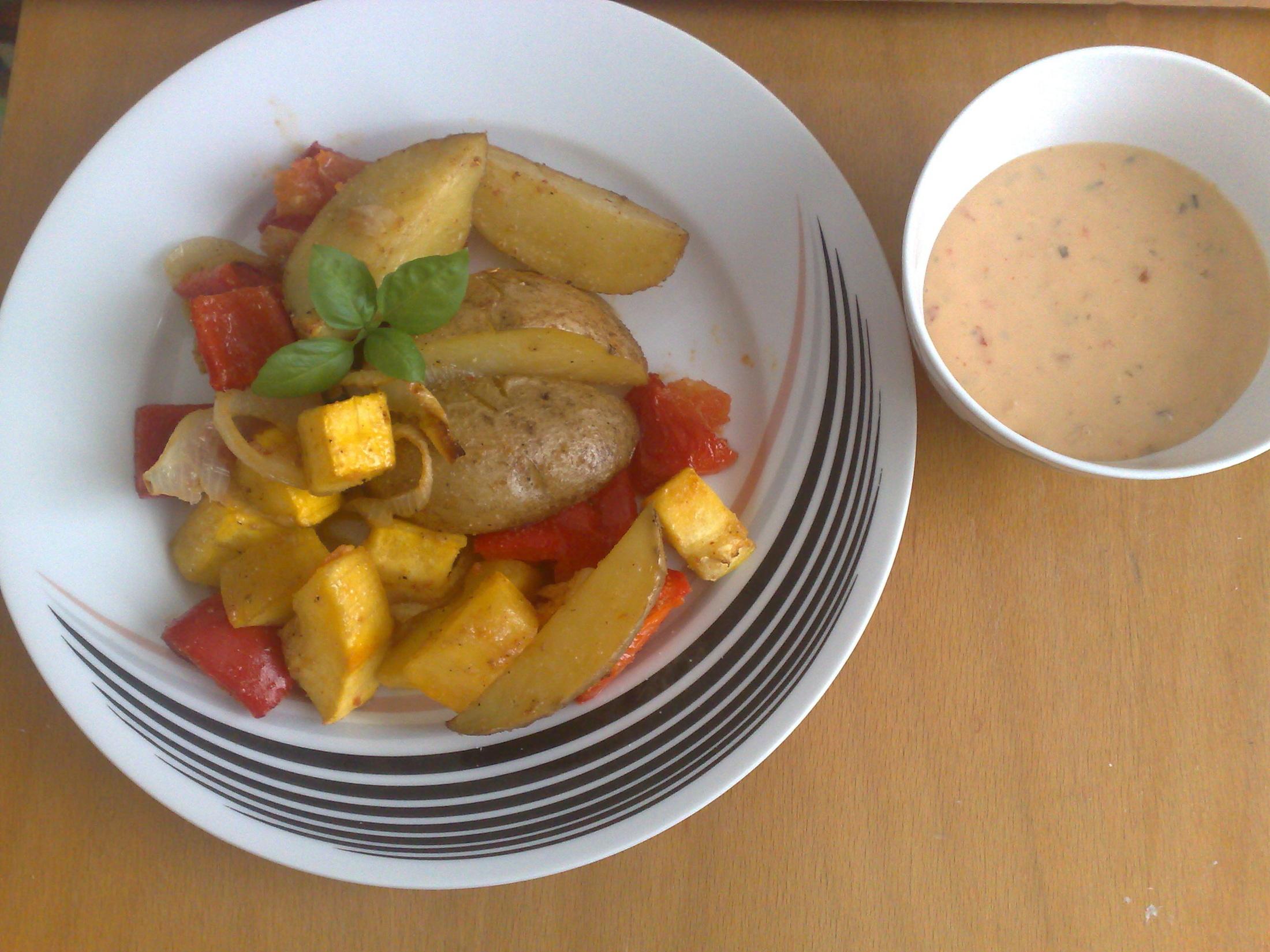 Recept Pečené brambory se zeleninou - Lze podávat samostatně nebo jako příloha.