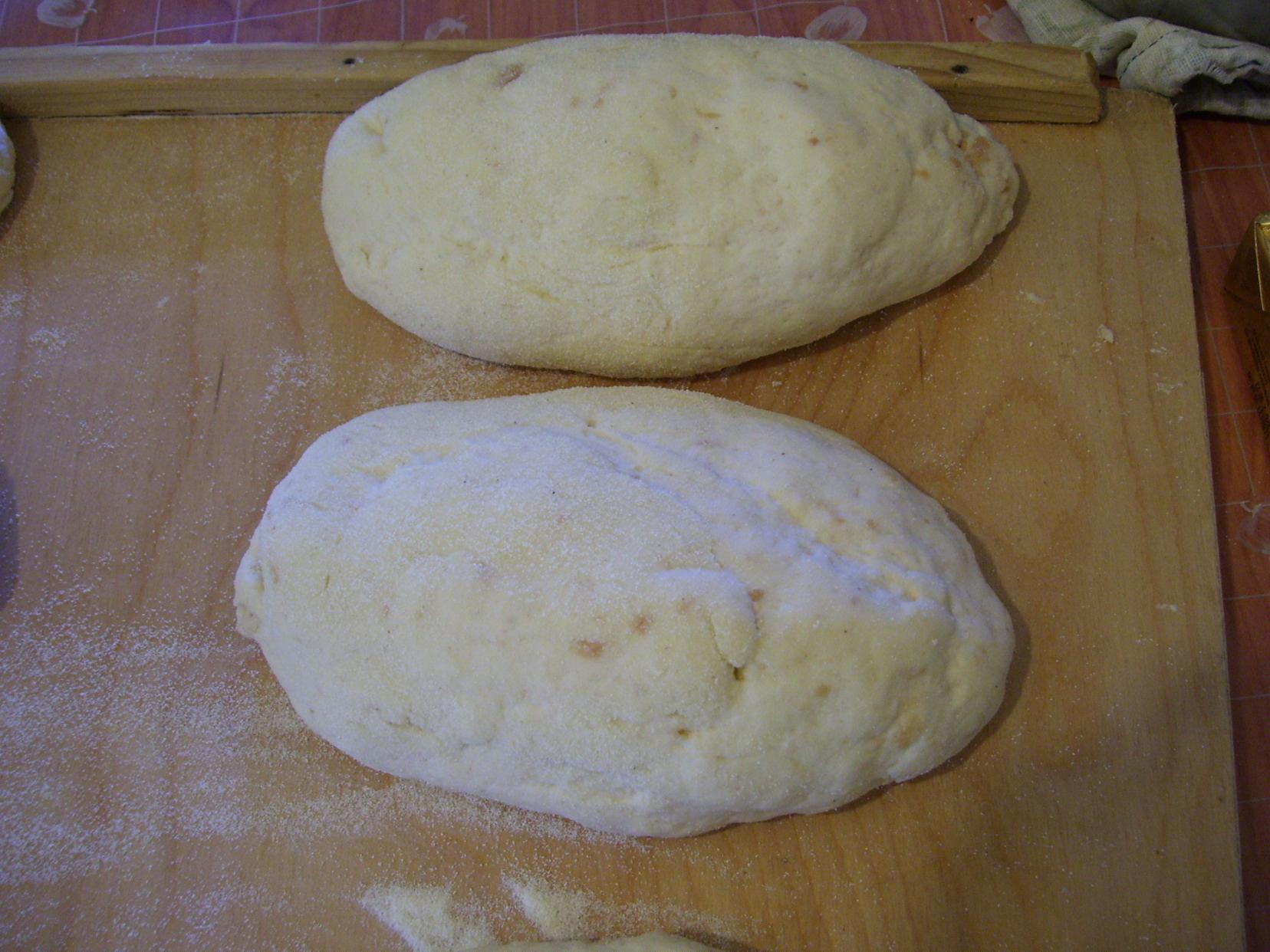 Recept Hrníčkové houskové knedlíky - Nakynuté knedlíky.