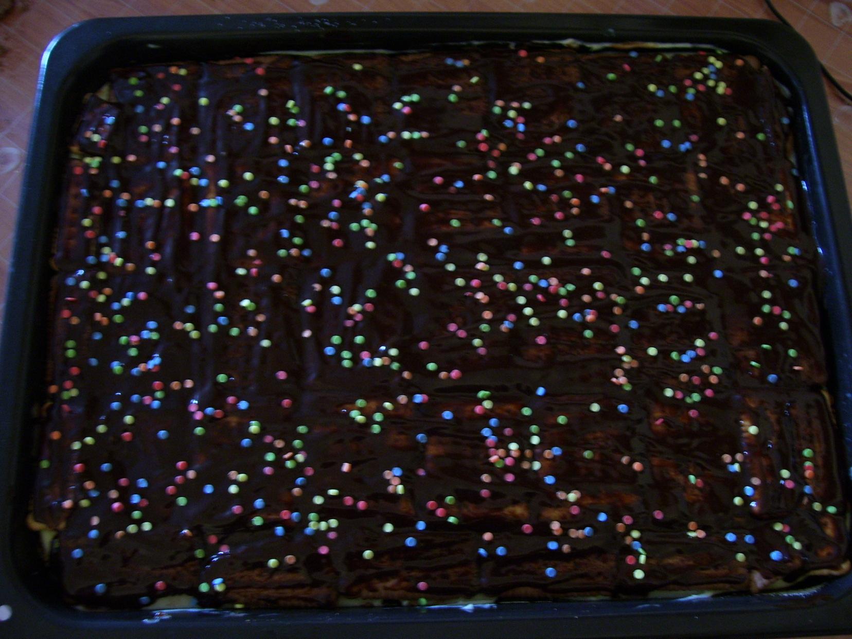 Recept Řezy s Be-Be sušenkami - Přelité čoko polevou.