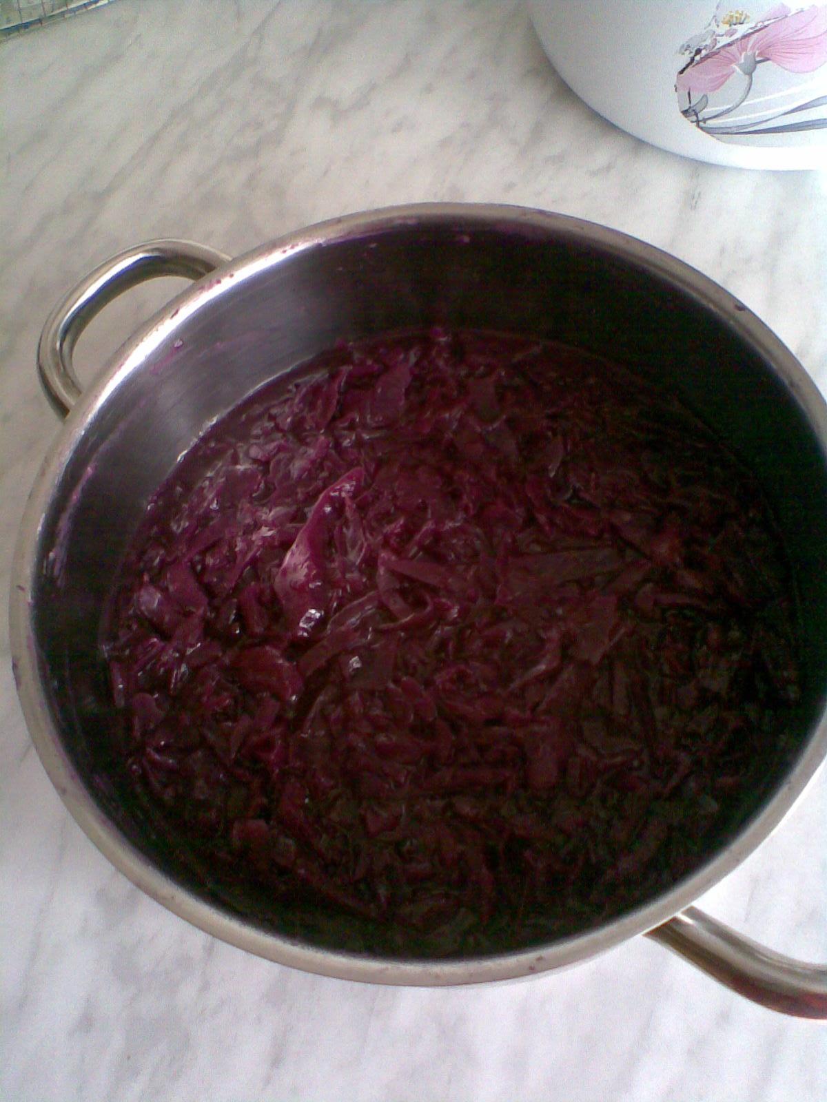 Recept Dušené bílé nebo červené zelí - Zelí s kačenou.