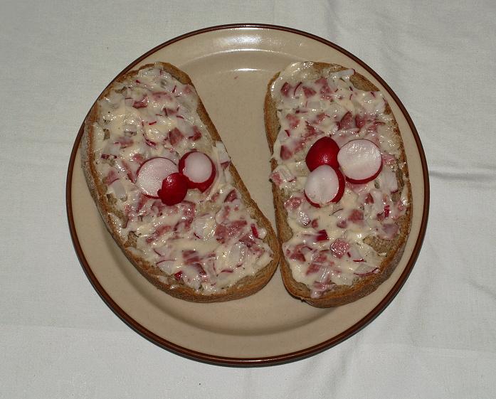 Fotografie receptu: Ředkvičková pomazánka s uherákem