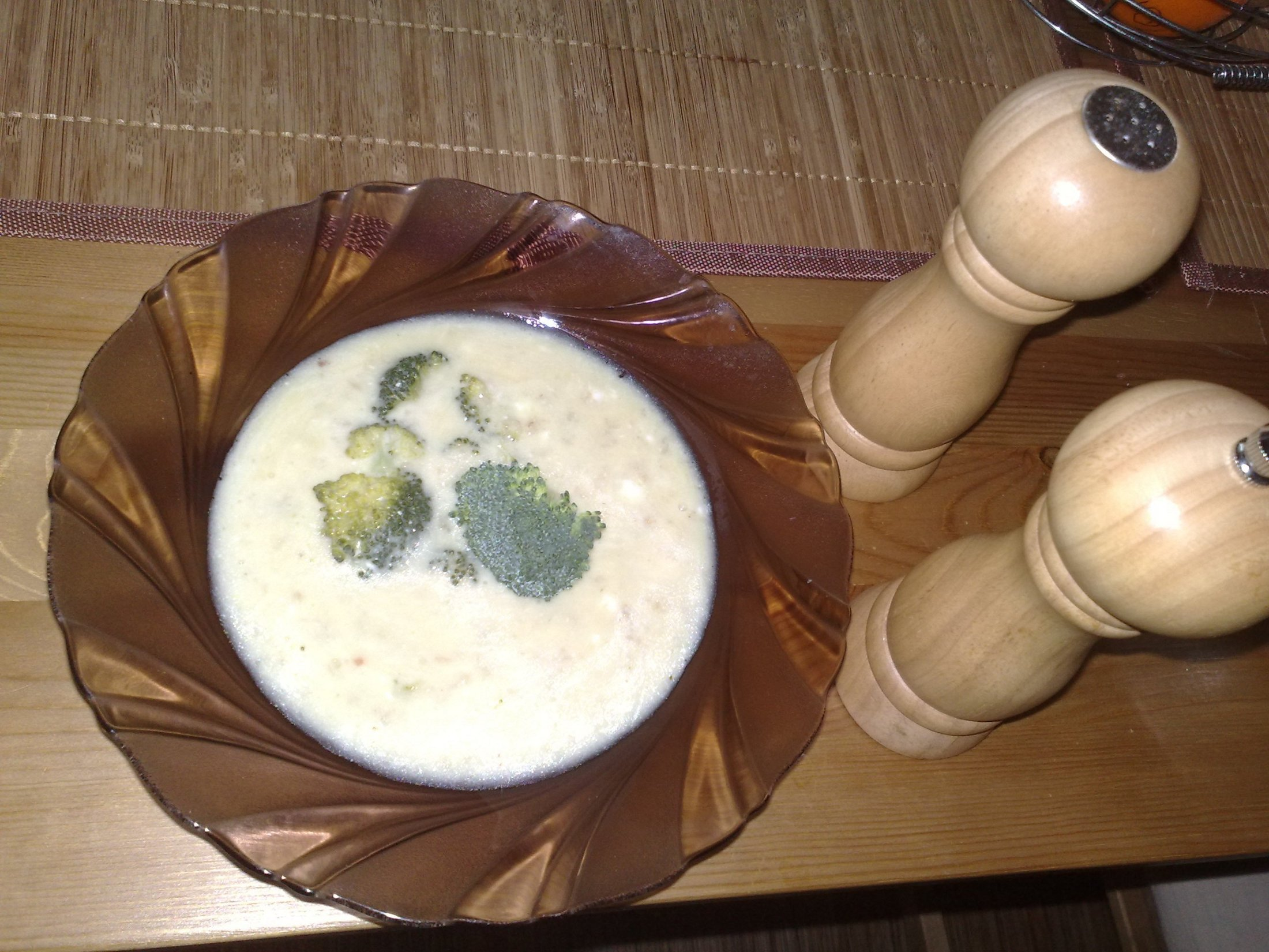 Recept Brokolicová polévka - Skvělá brokolicová polévka. Skvěle jsem si pochutnal.