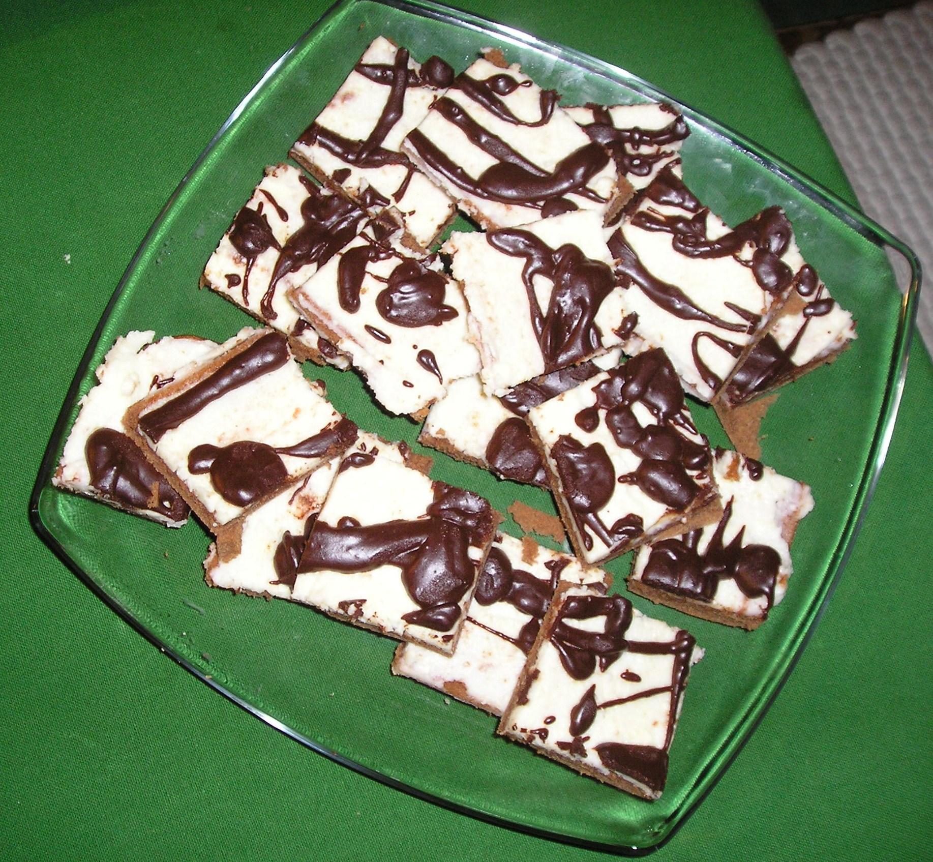 Recept Tvarohové Míša řezy - Míša řezy jsem jen pocákala čokoládou i tak byly luxusní.