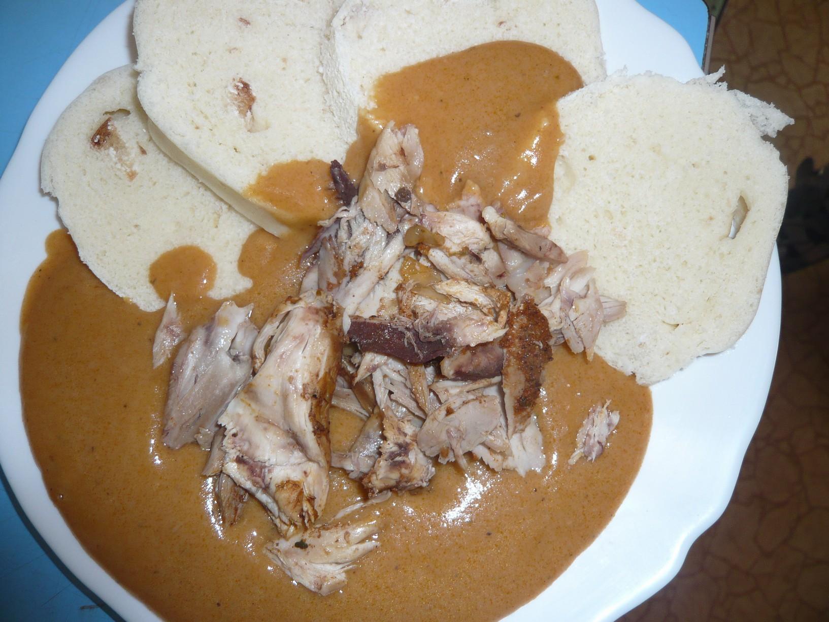 Recept Naše kuře na paprice - Kuře na paprice s knedlíkem.