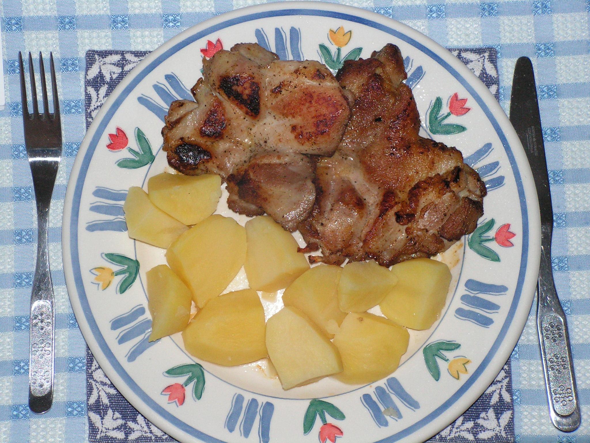 Kuřecí steaky s brambory