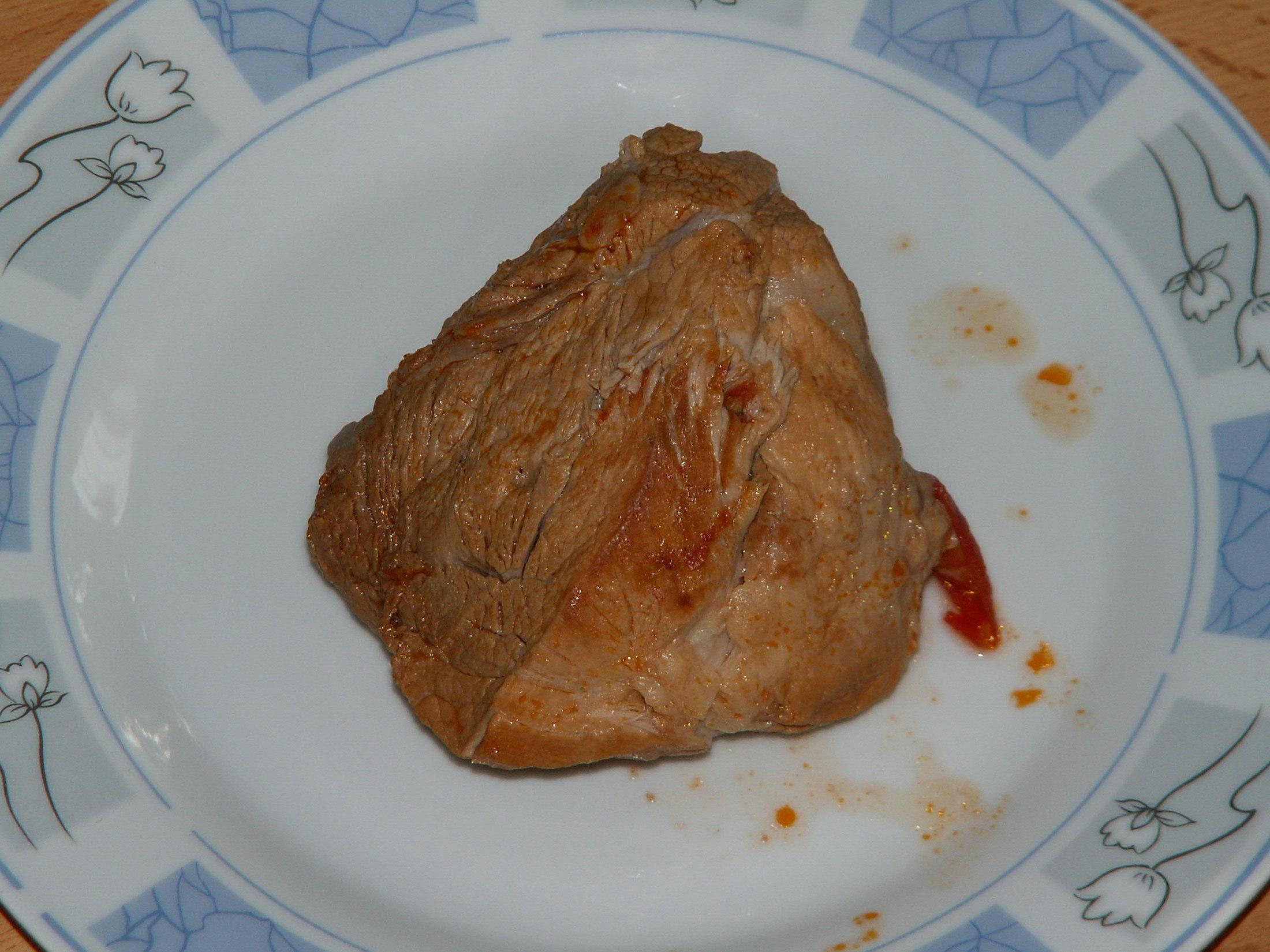 Recept Rajská omáčka - Měkké maso vyjmeme z omáčky.