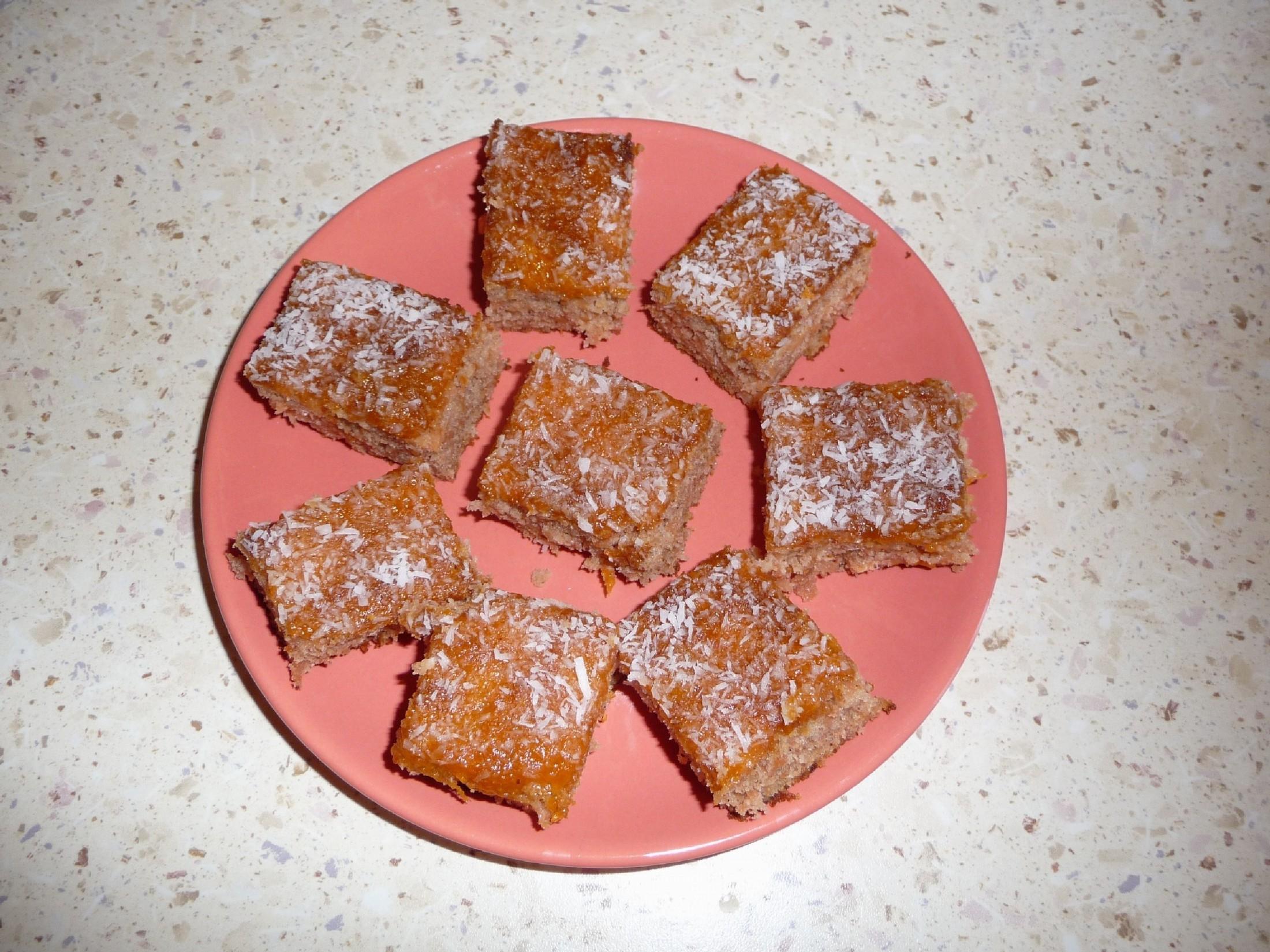 Recept Jednoduchý jablkový koláč - Dobrý i na cesty, vydrží dlouho vláčný.