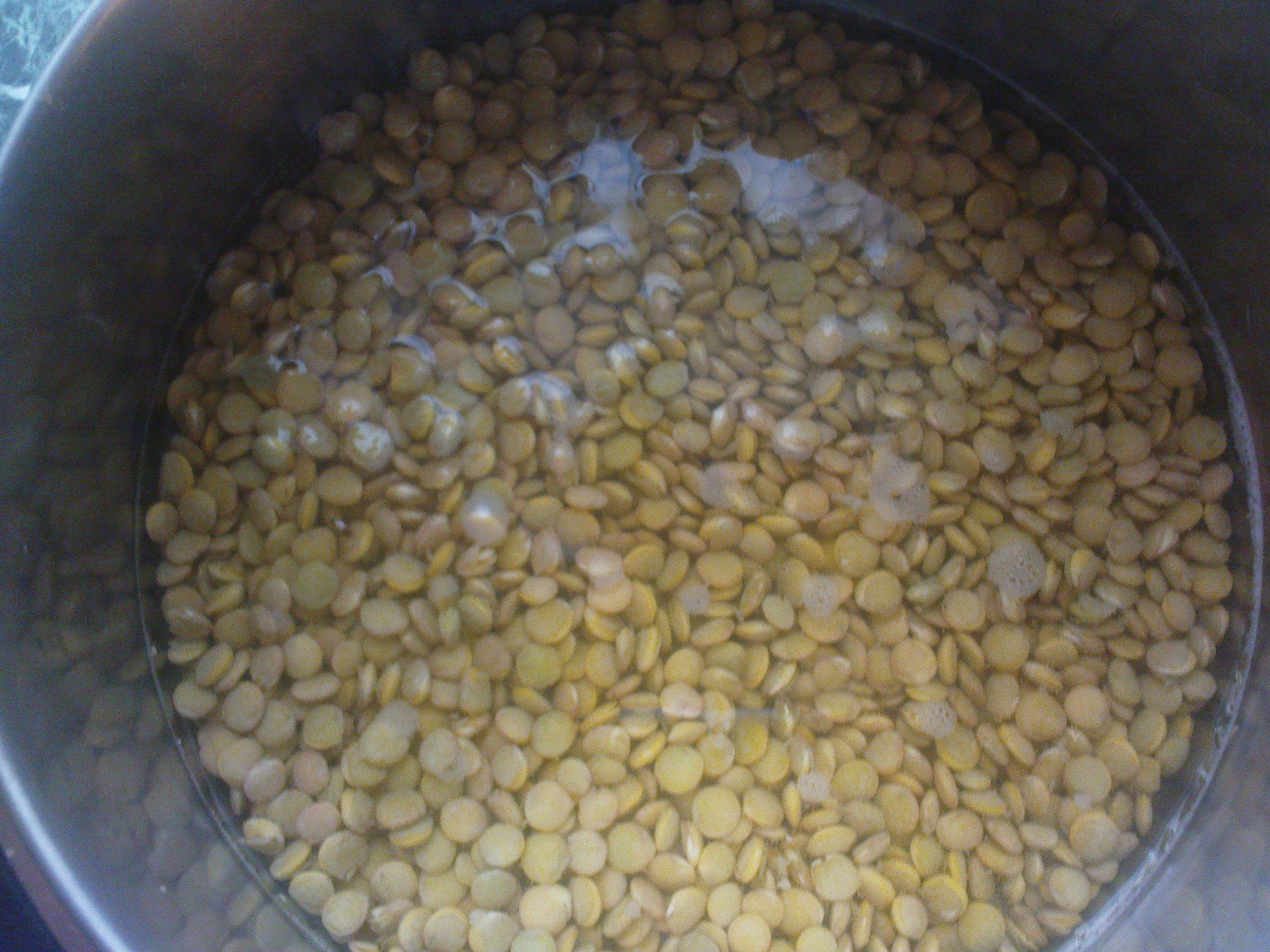 Recept Čočková polévka - Čočku namočíme - nejlépe přes noc.