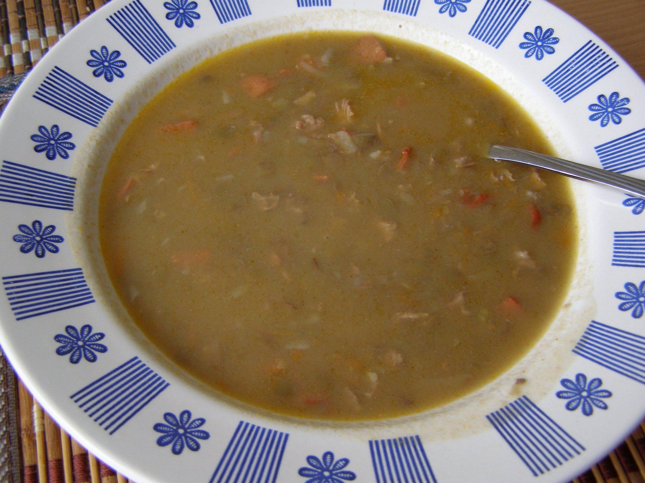 Recept Čočková polévka - Čočková polévka byla vynikající. Přidala jsem i kousek klobásy.