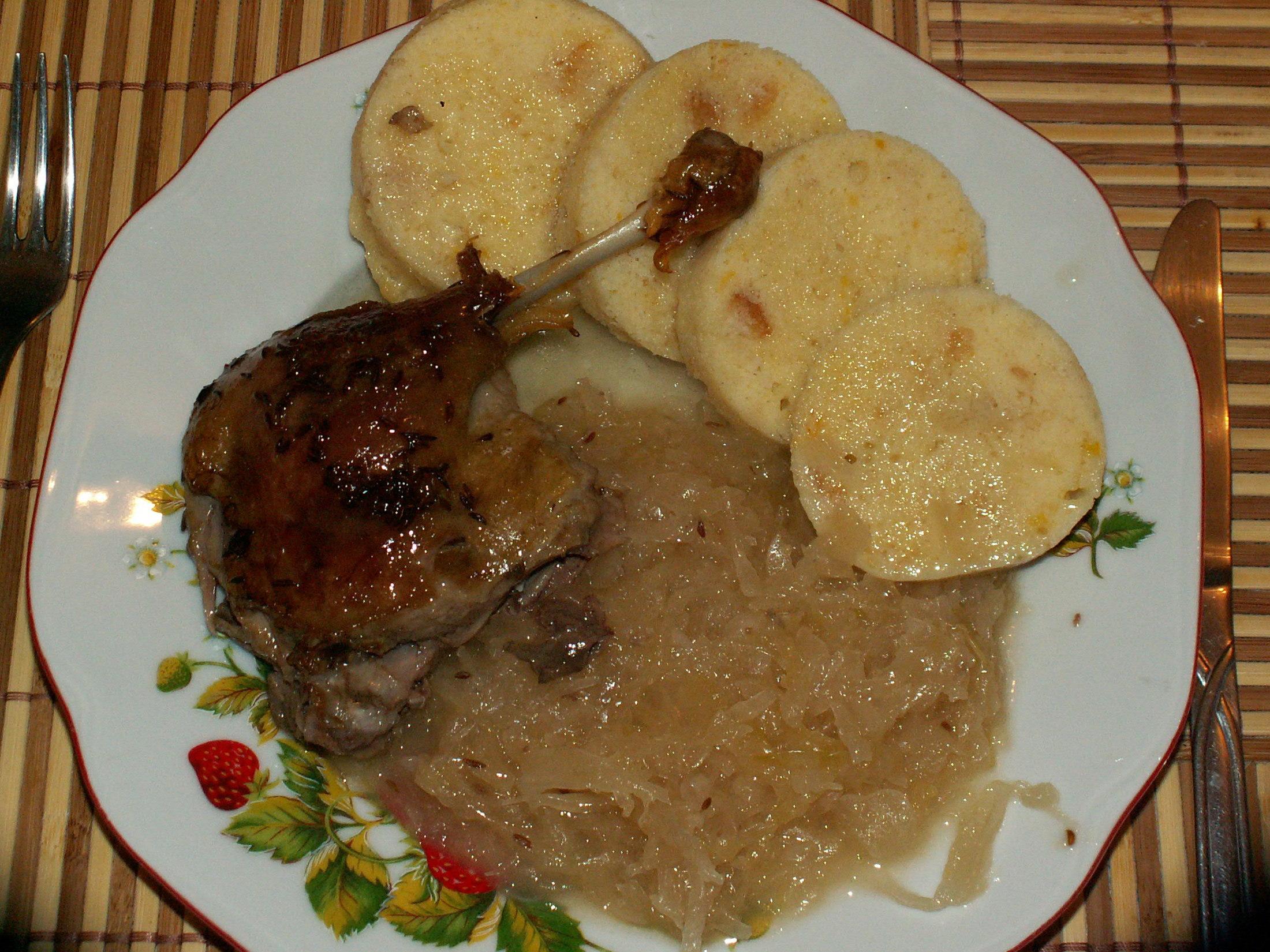 Recept Pečená kachna - Kachna se zelím a knedlíkem.
