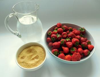 Domácí jahodový sirup