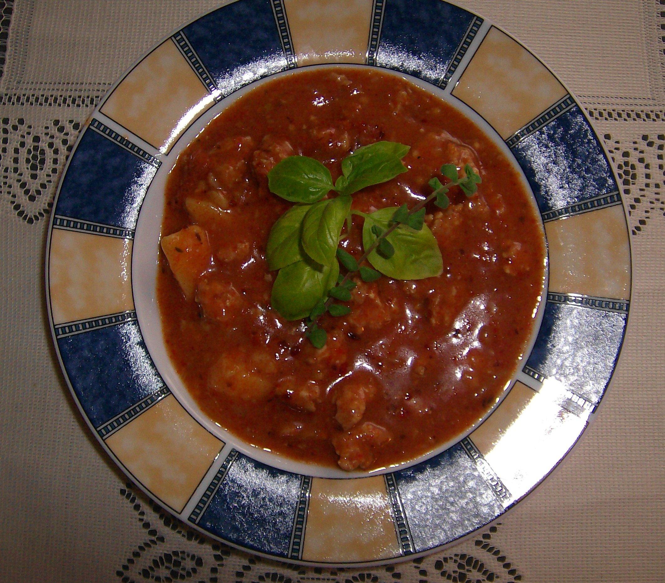 Gulášová polévka 2