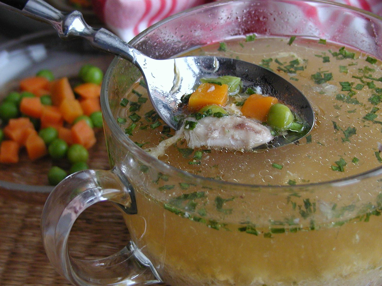 Kuřecí krupicová polévka