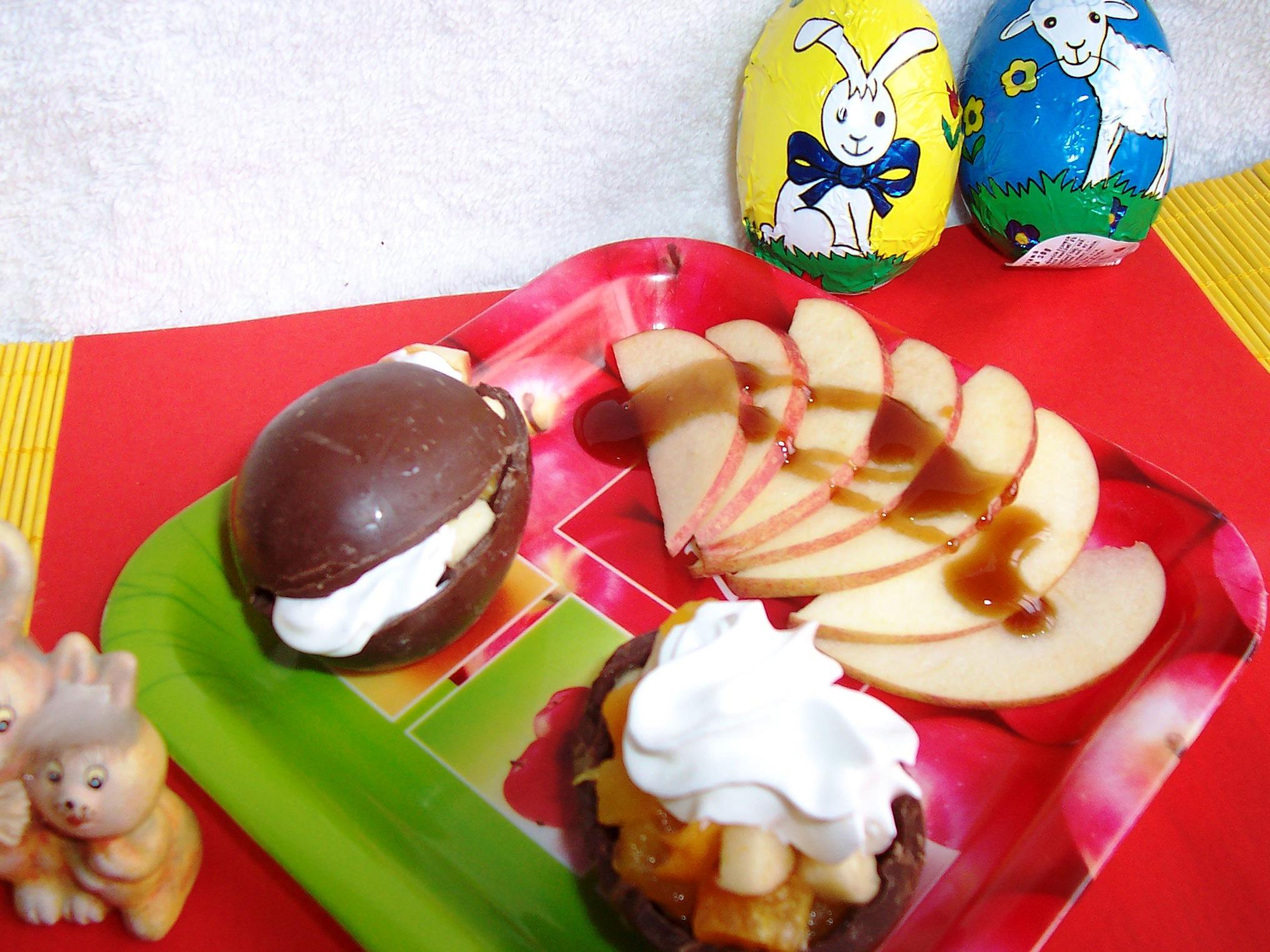 Čokoládová vejce plněná ovocem
