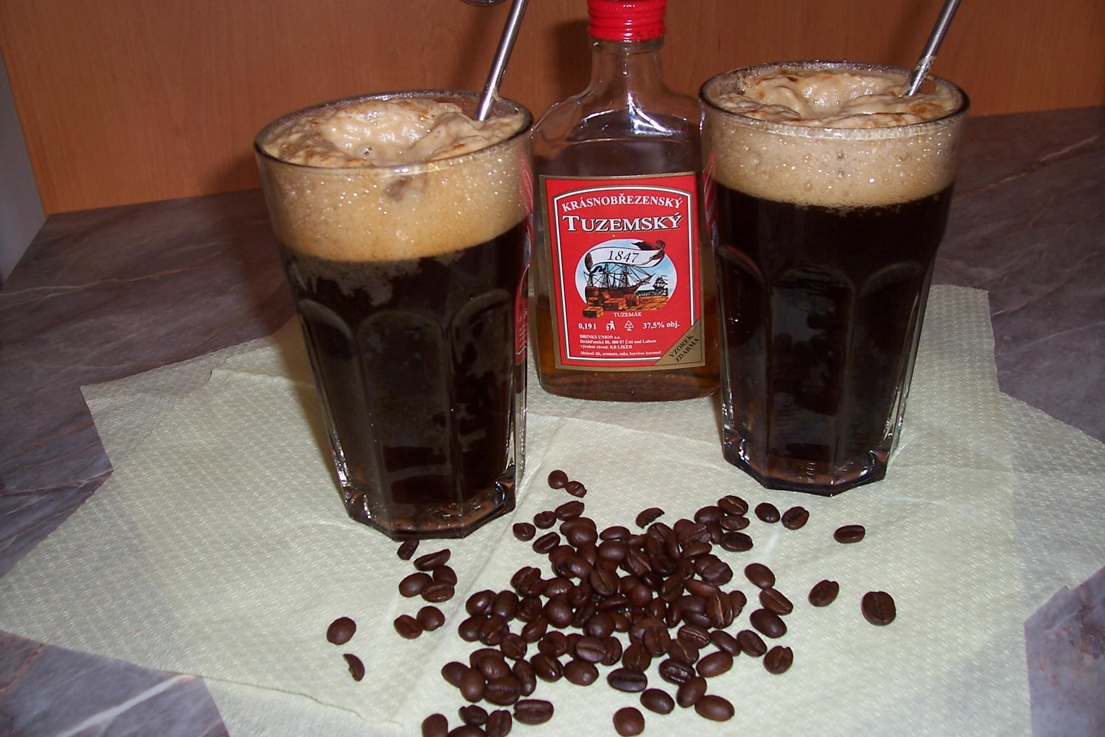 Ledová káva s colou