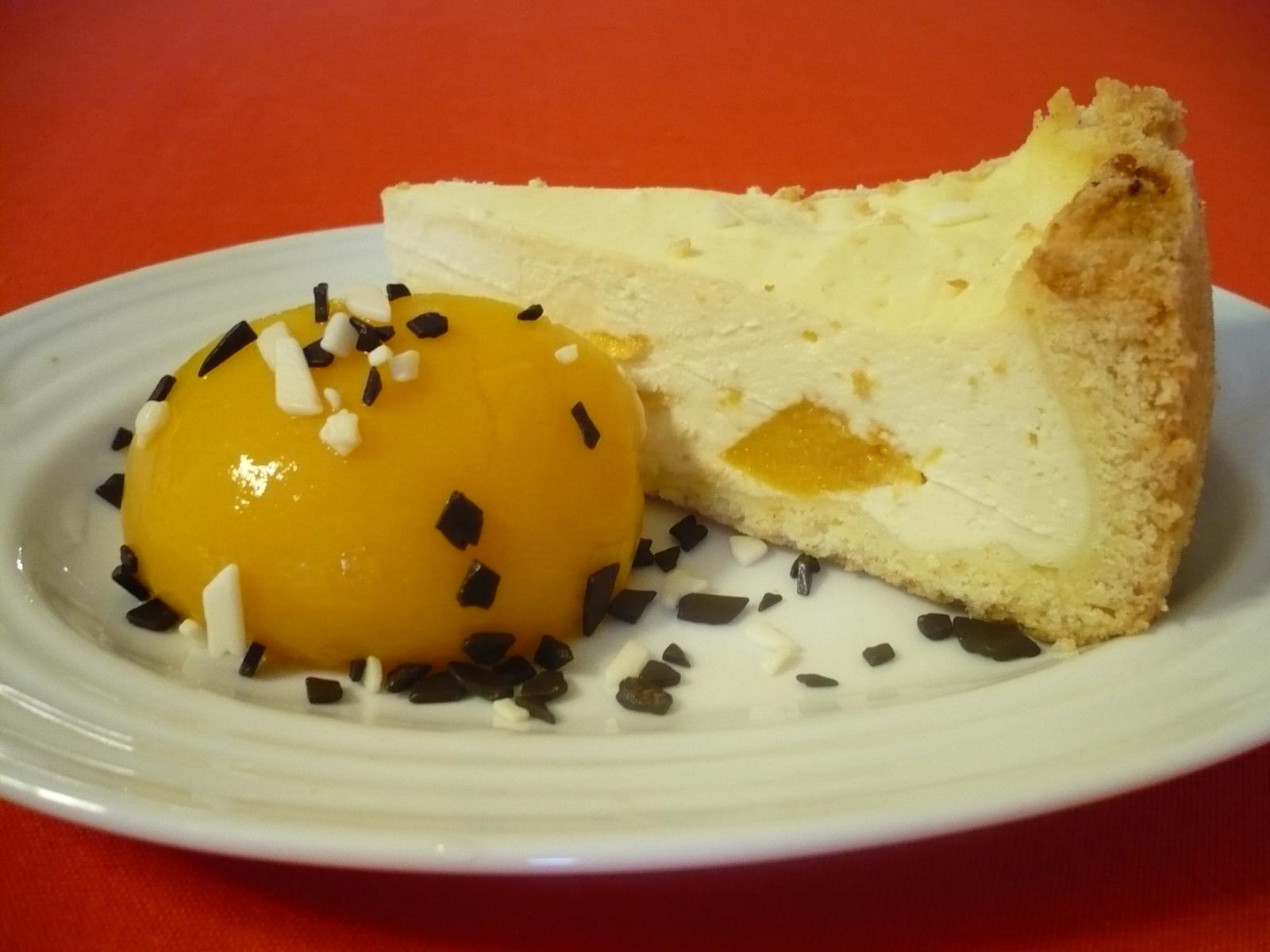 Fotografie receptu: Tvarohový koláč s broskví