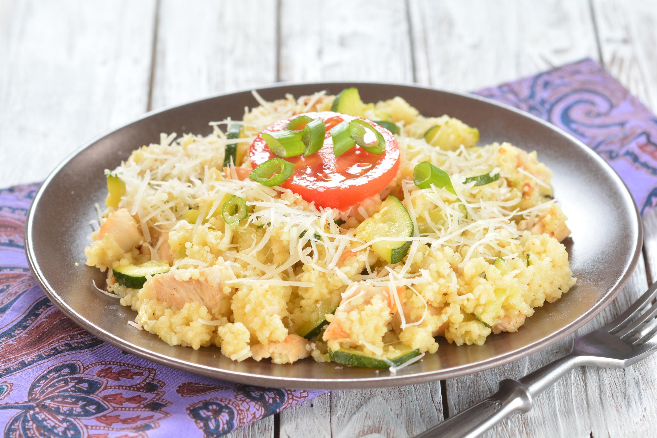 Kuskus se zeleninou a kuřetem