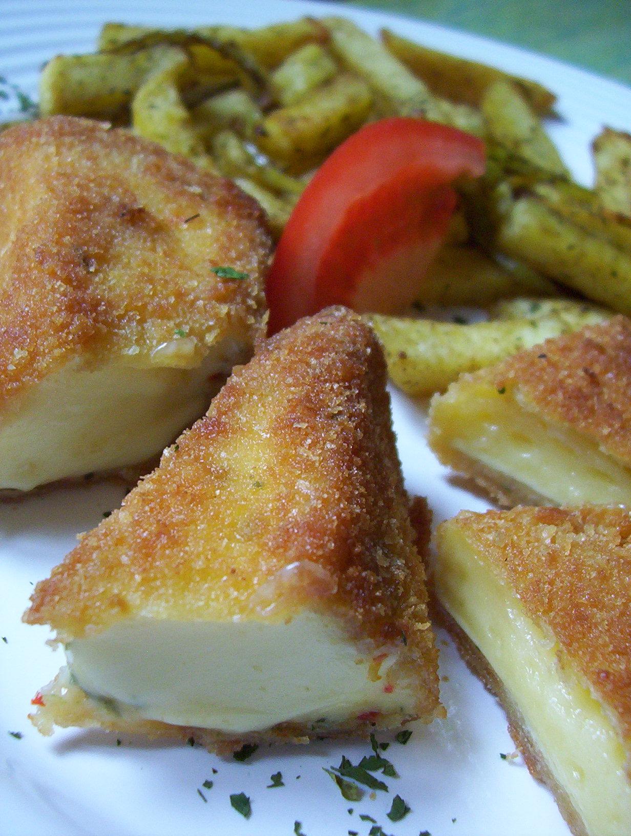 Chilli smažený sýr s paprikovými hranolky