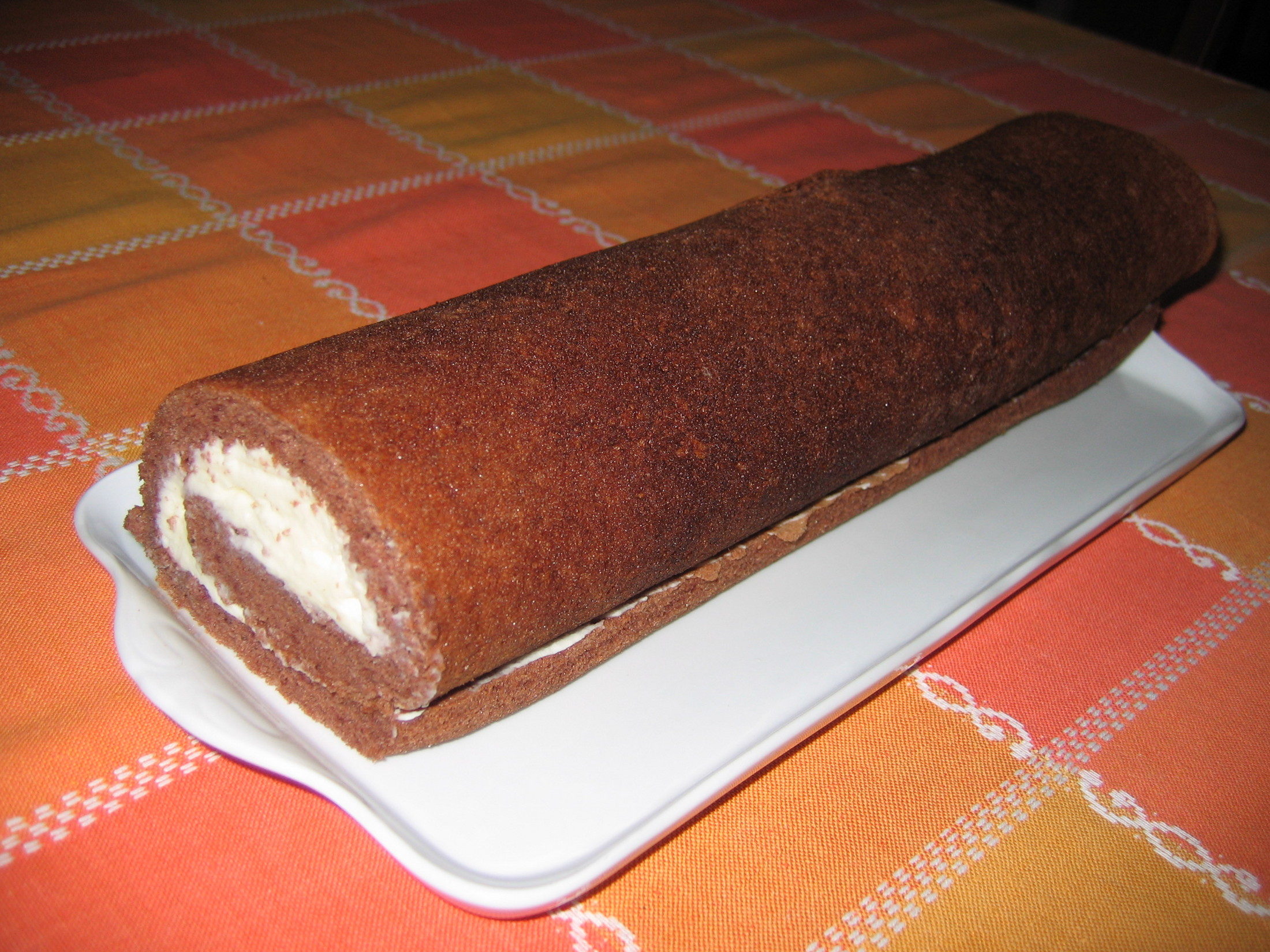 Fotografie receptu: Čokoládová roláda s krémem z mascarpone
