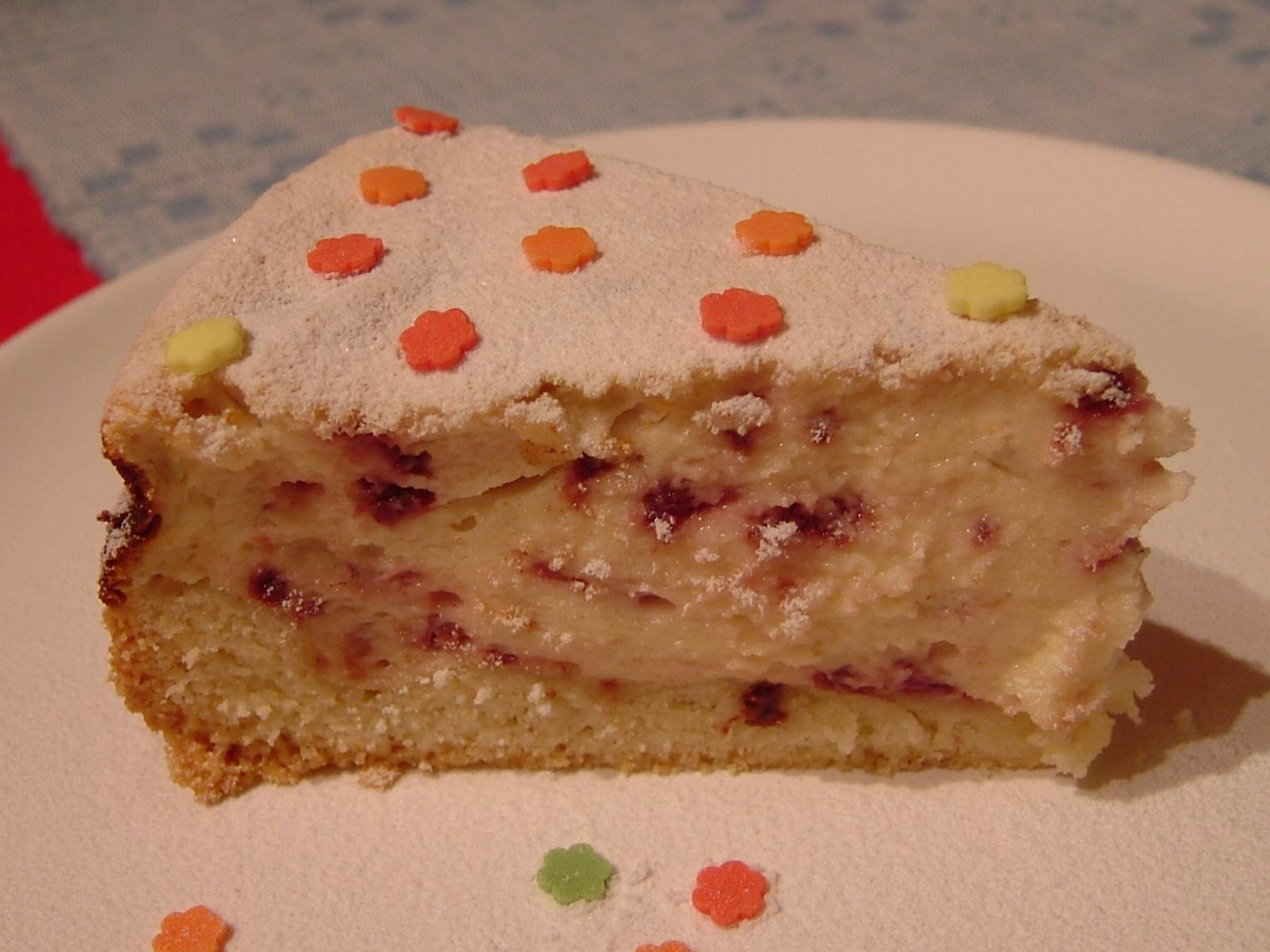Jemný tvarohový koláč s ovocem