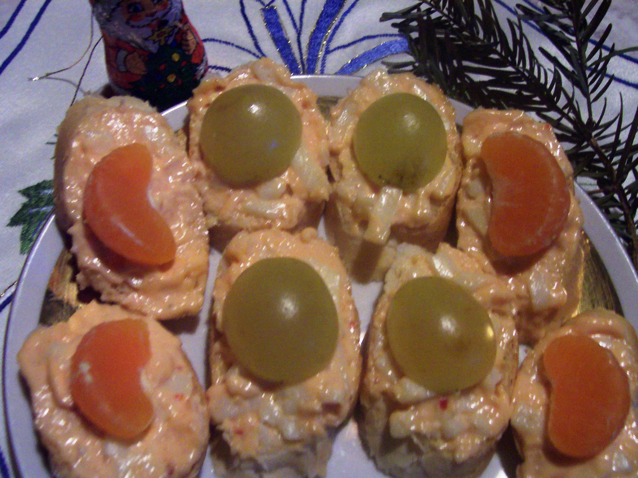 Pikantní česnekovo-sýrová pomazánka