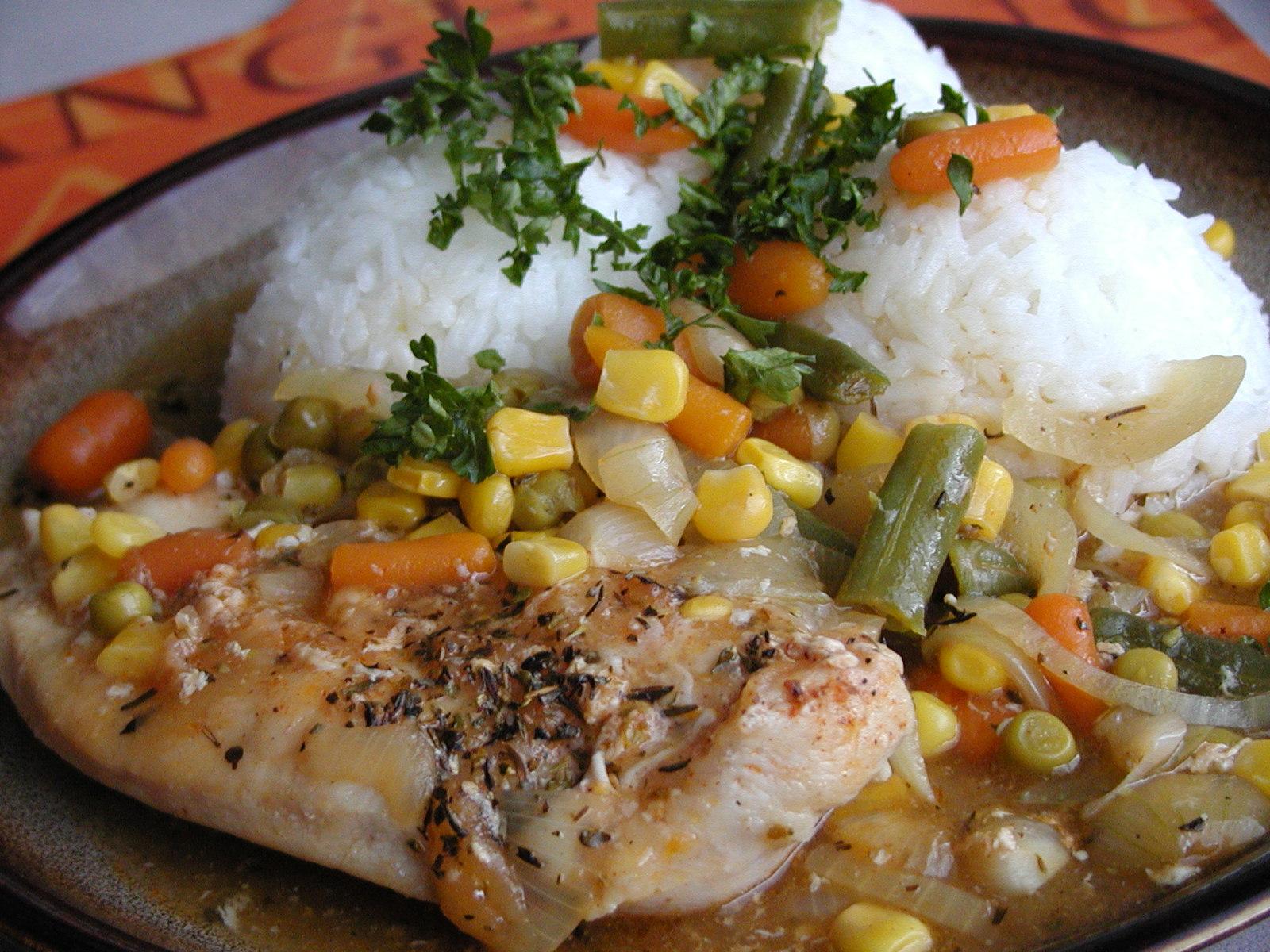Provensálské kuřecí plátky na zelenině