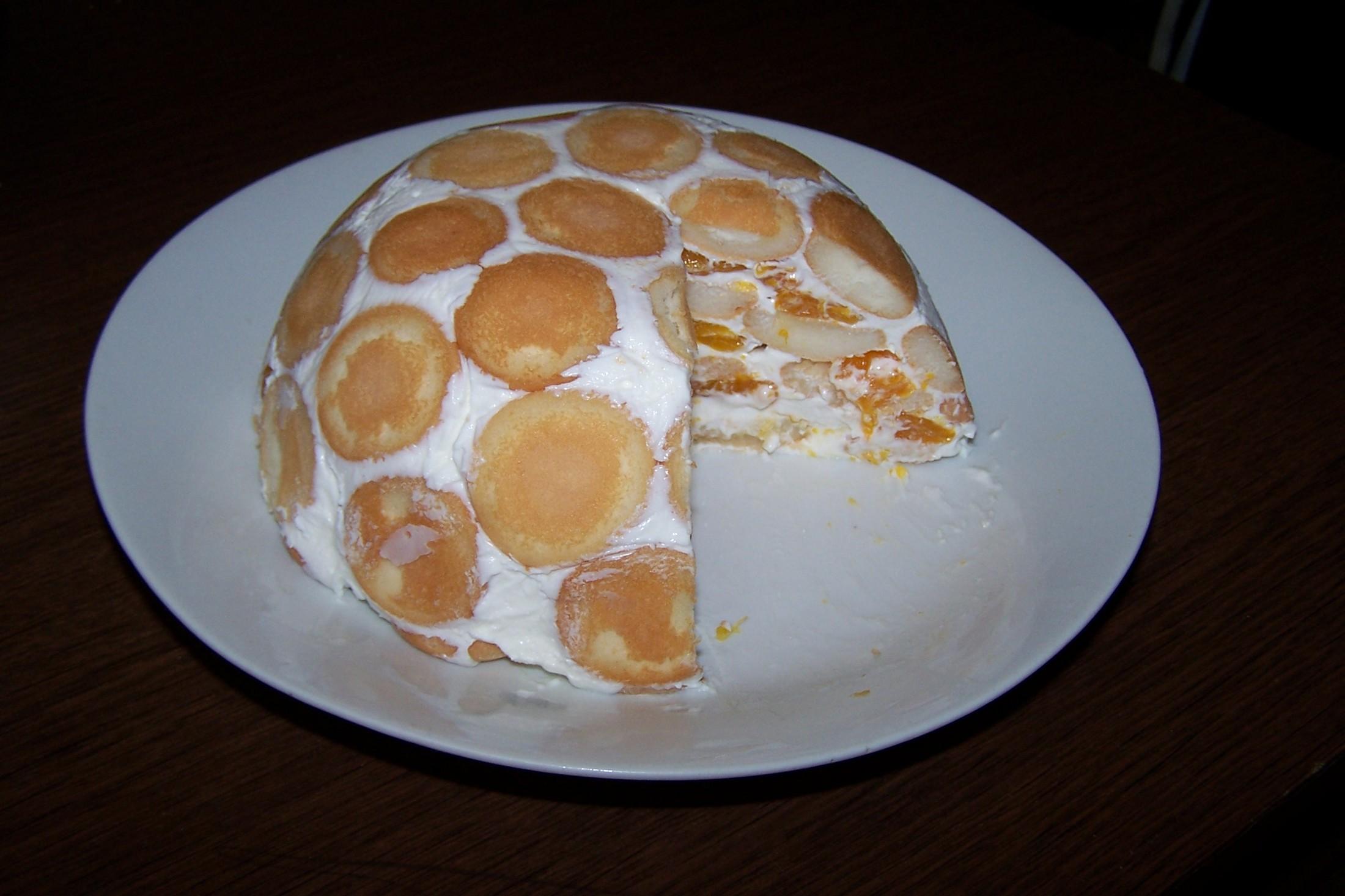 Smetanový dort s ovocem