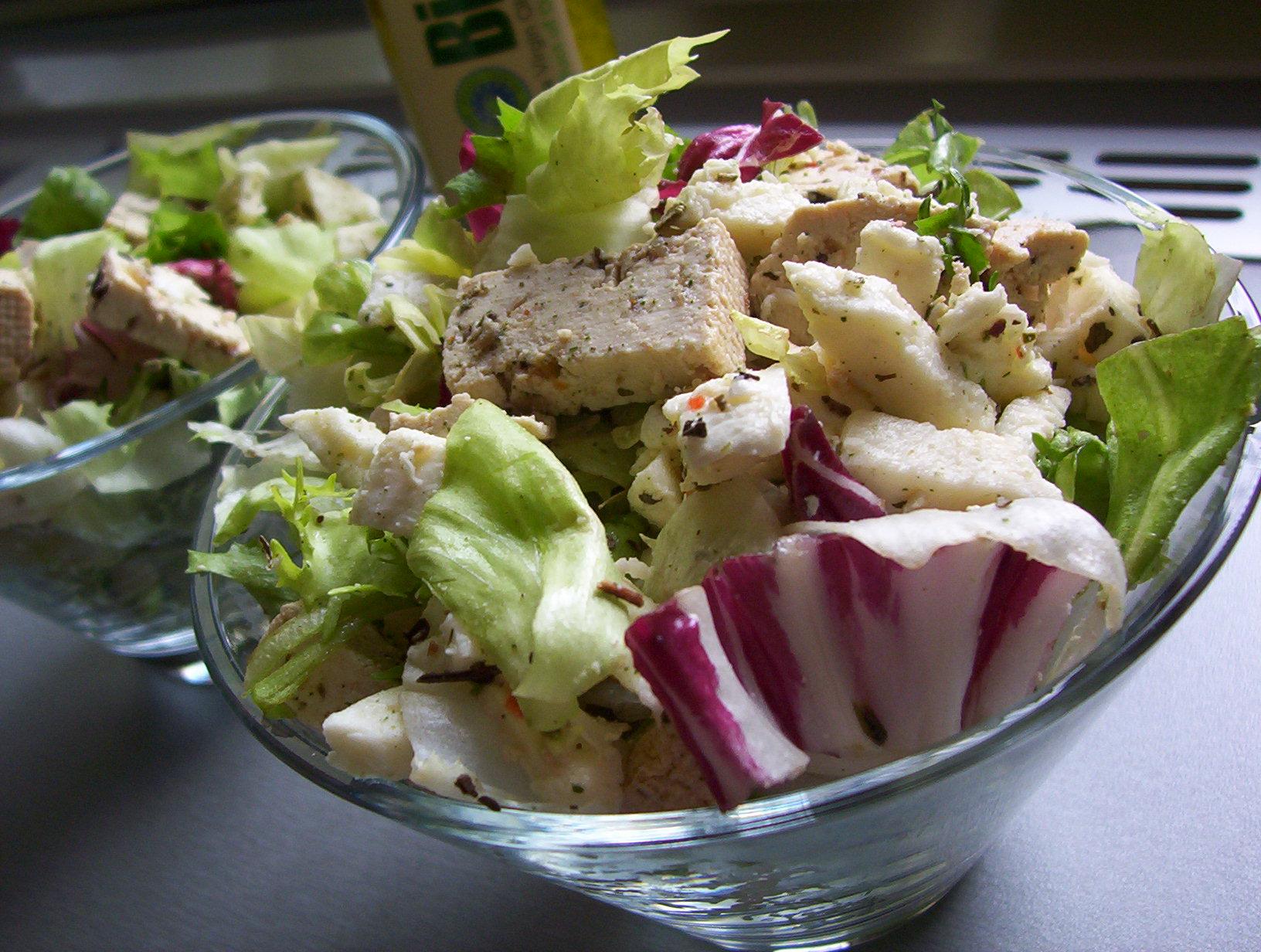Míchaný salát s tofu