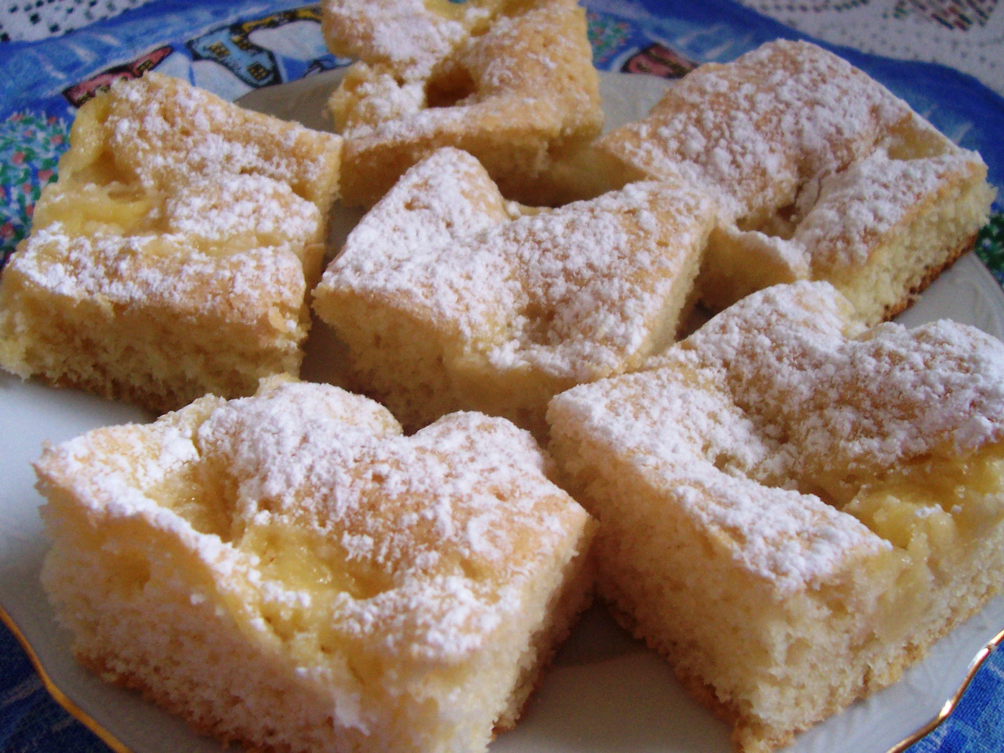 Fotografie receptu: Jemná buchta s ananasem