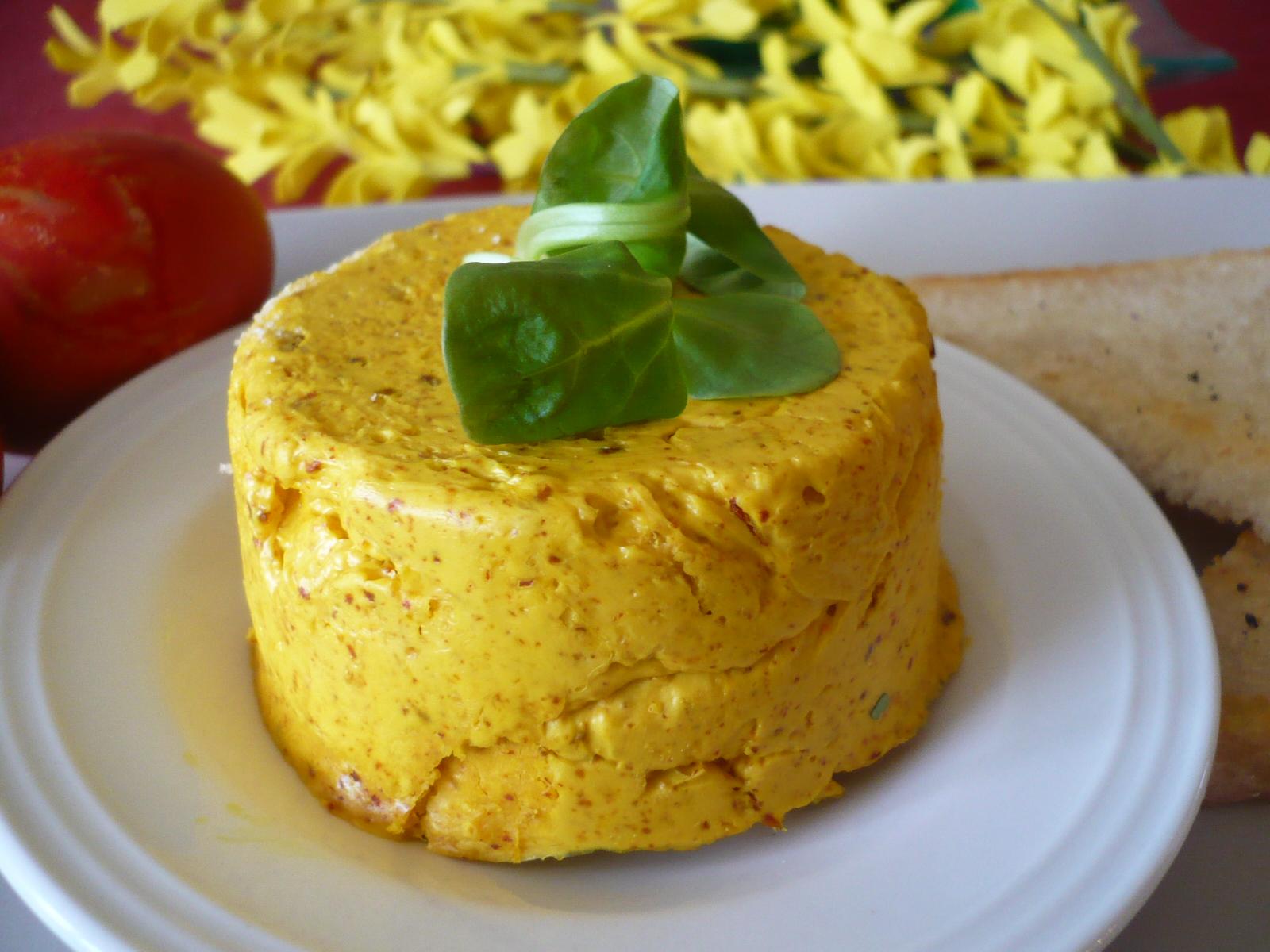 Pikantní sýrové máslo
